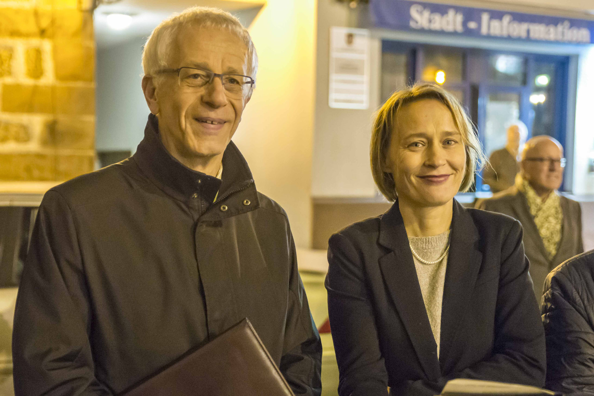 Propst Helmut Wöllenstein und Pfarrerin Katja Simon