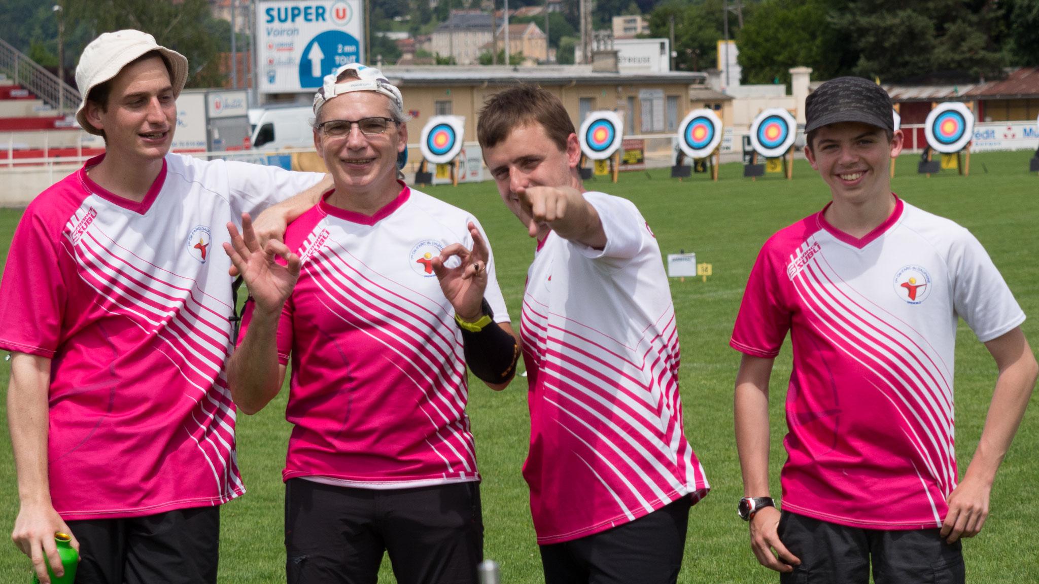 L'équipe au complet, de gauche à droite : Léo, Claude, Arnaud et Aymeric.