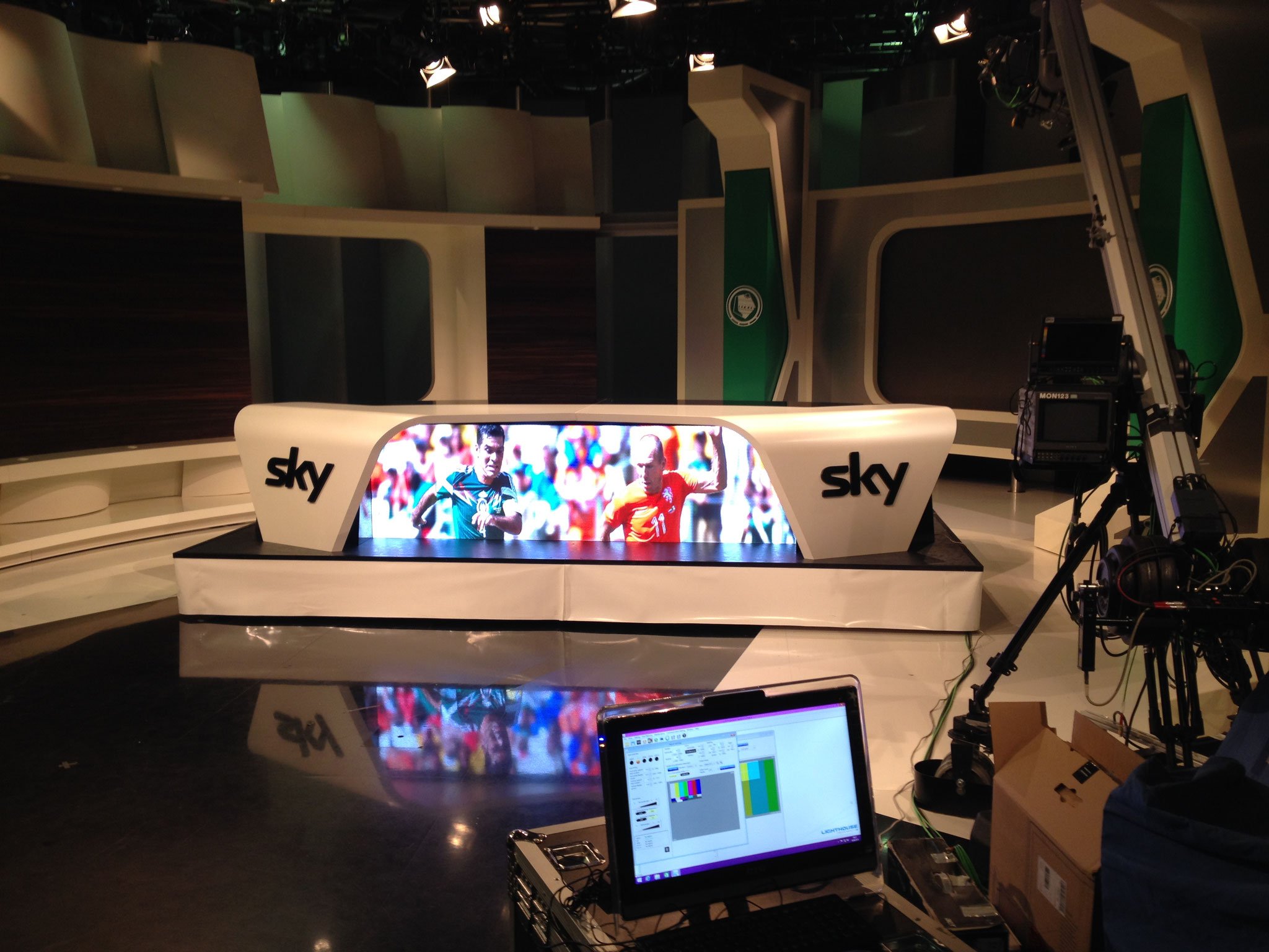 Sky Studio LED Screen Topspiel Tisch
