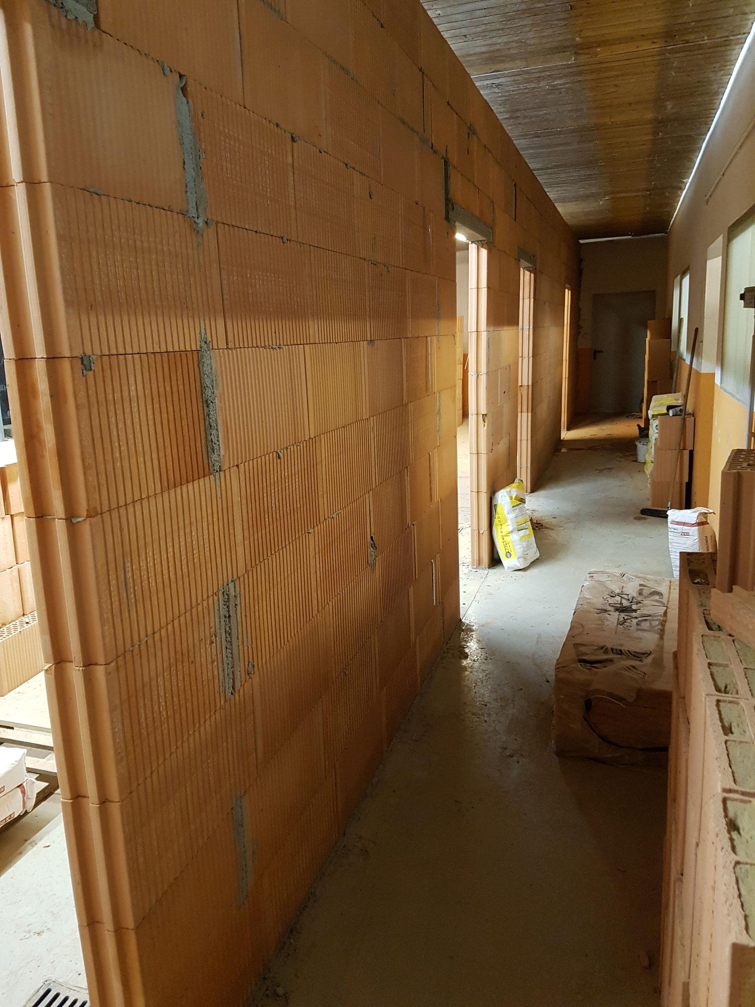 Die Abstände der Türen geben einen Ausblick auf die Größe der Zimmer
