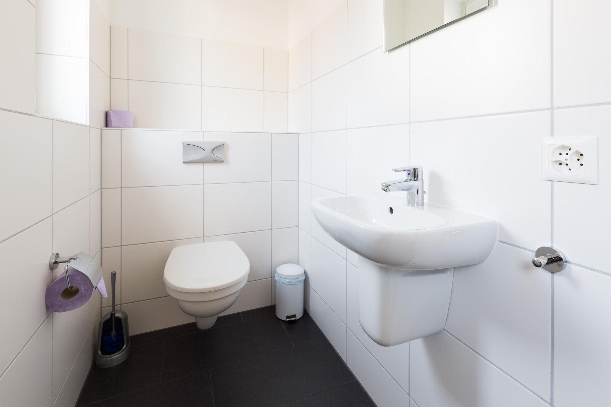extra toilet (1st floor)