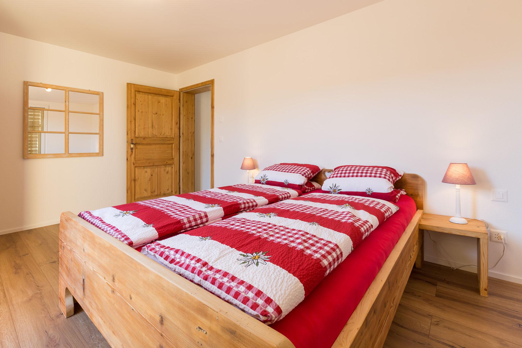 bedroom #1 (photo 1/3)