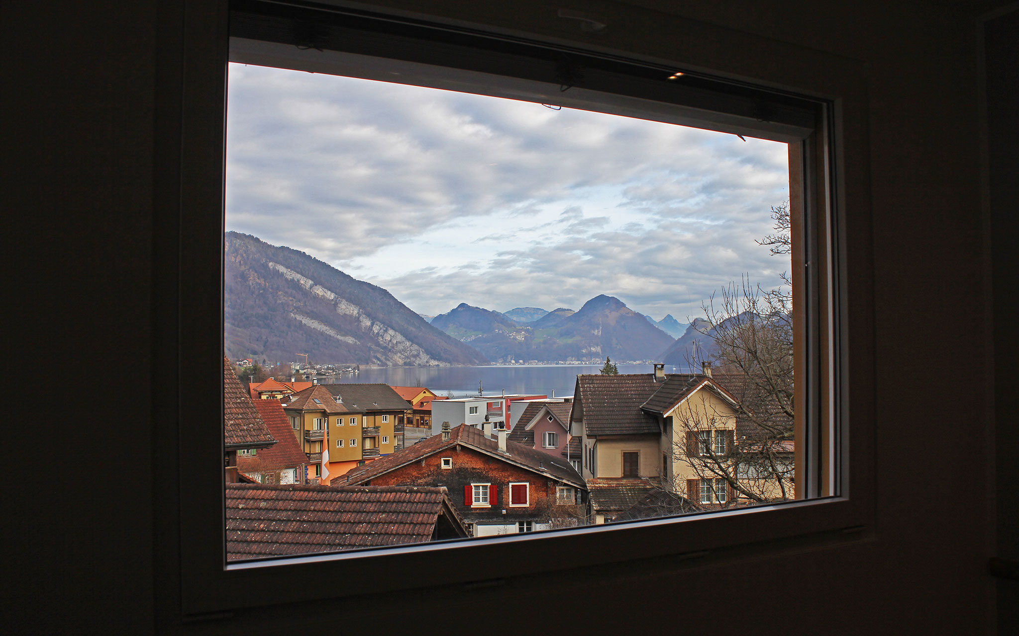 living room view to Lake Lucerne