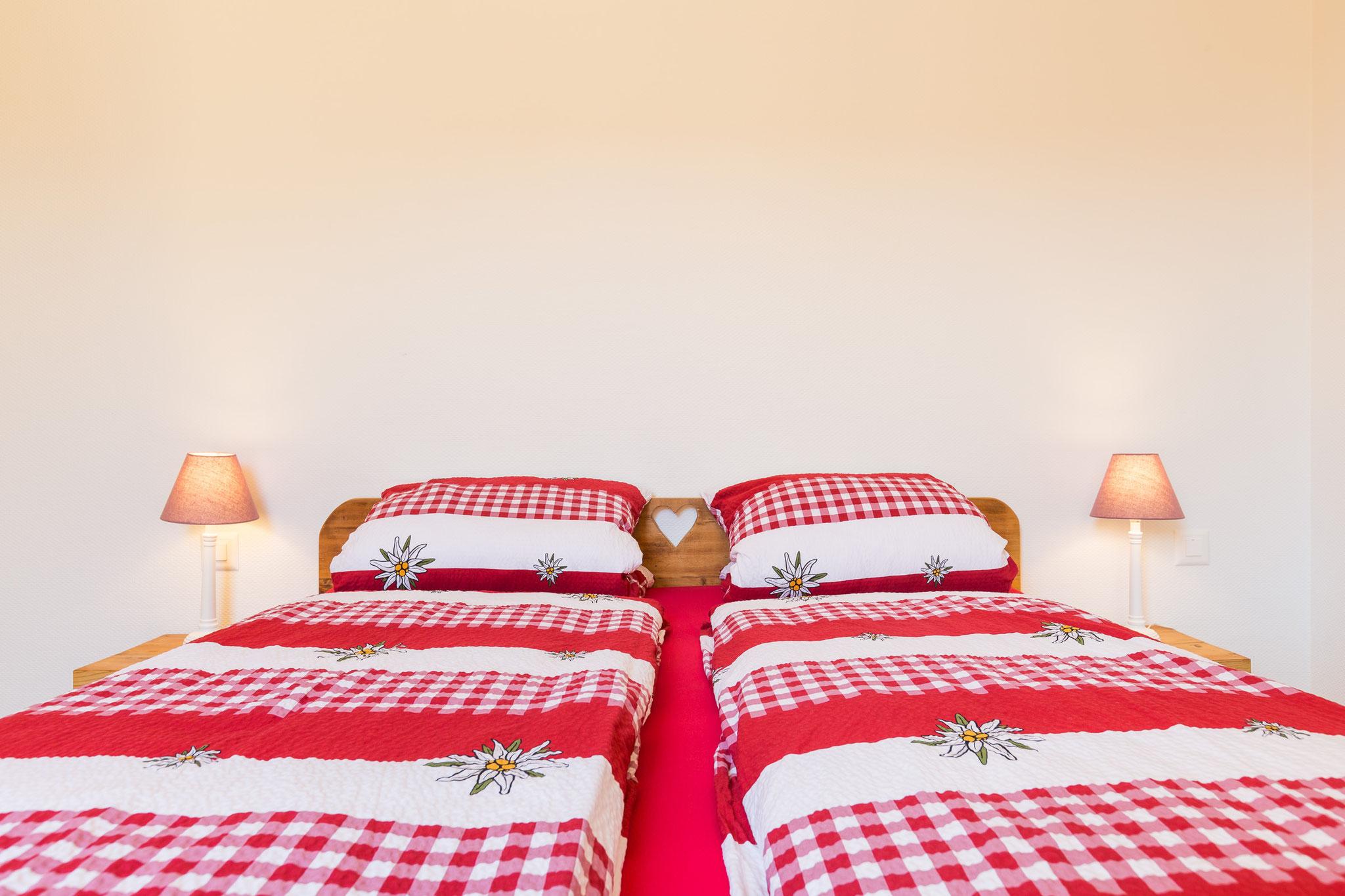 bedroom #1 (photo 2/3)