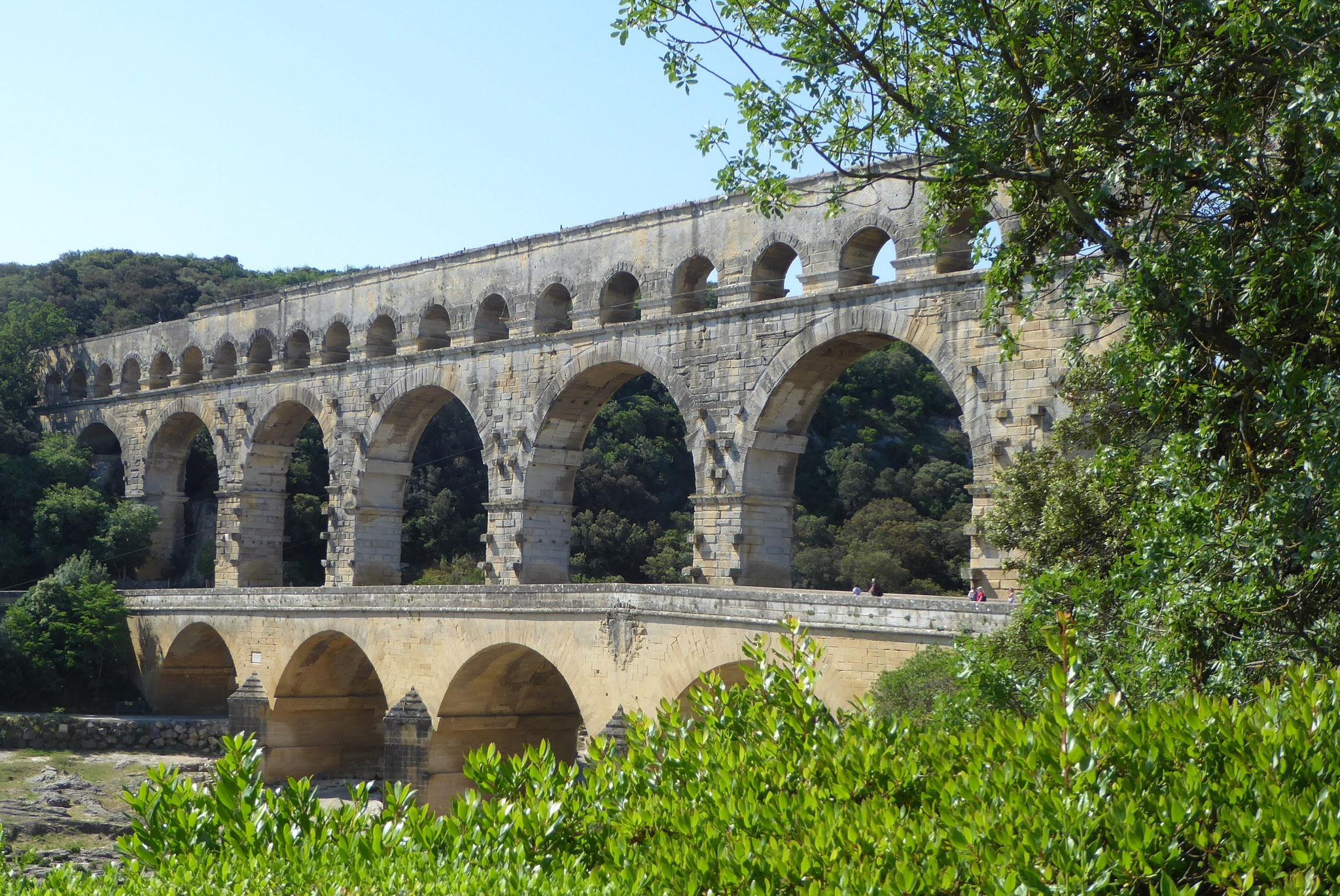 """Das Äquadukt """"Pont du Gard"""" diente der Wasserversorgung der Römer"""