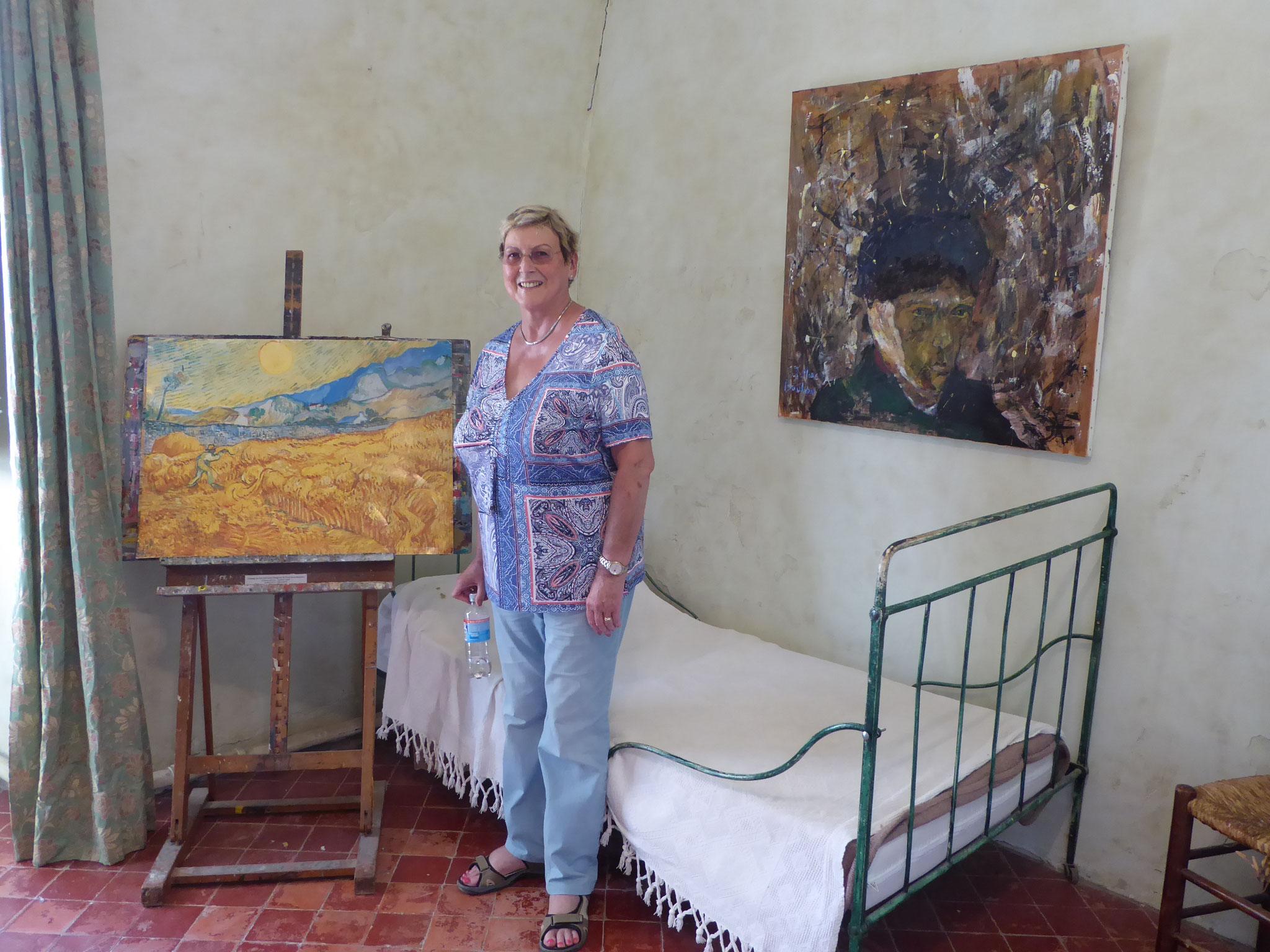 Die Schriftführerin im Zimmer von Vincent van Gogh in St. Remy