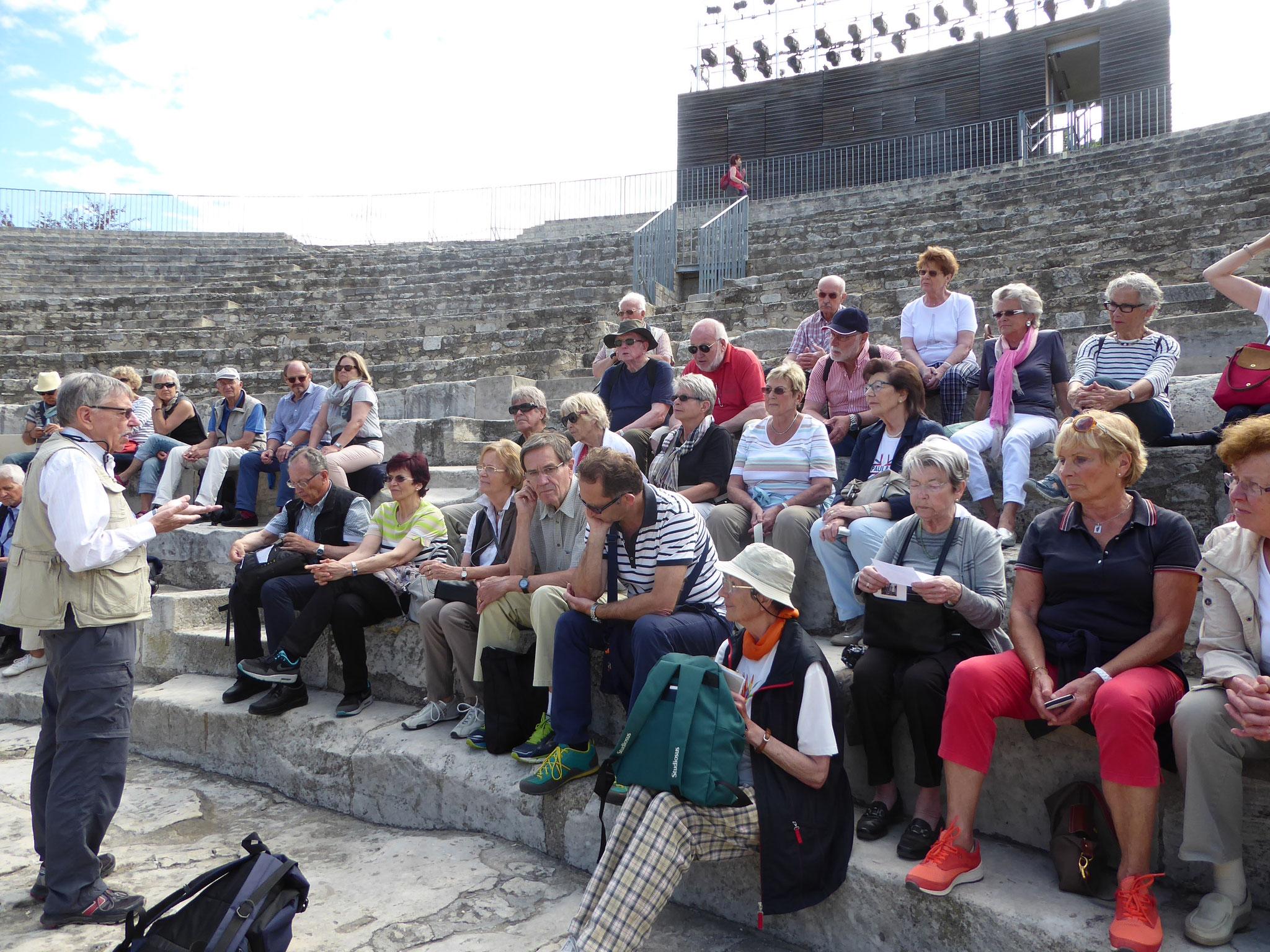 Im antiken Theater von Arles