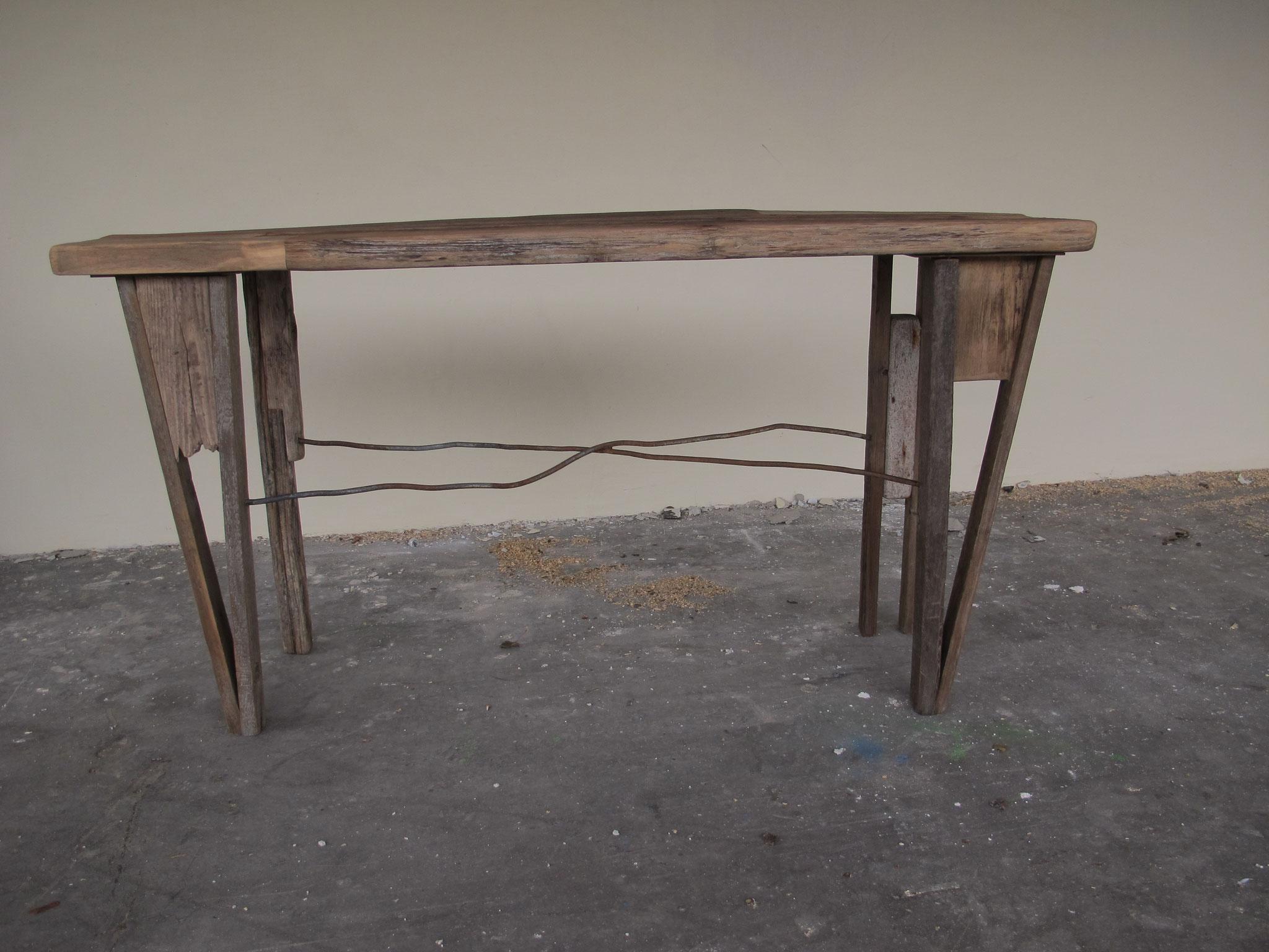 Schmaler Tisch, Wohnskulpturen, Upcycling, Möbel, Kraftobjekte Wolfgang Wallner Hall in Tirol