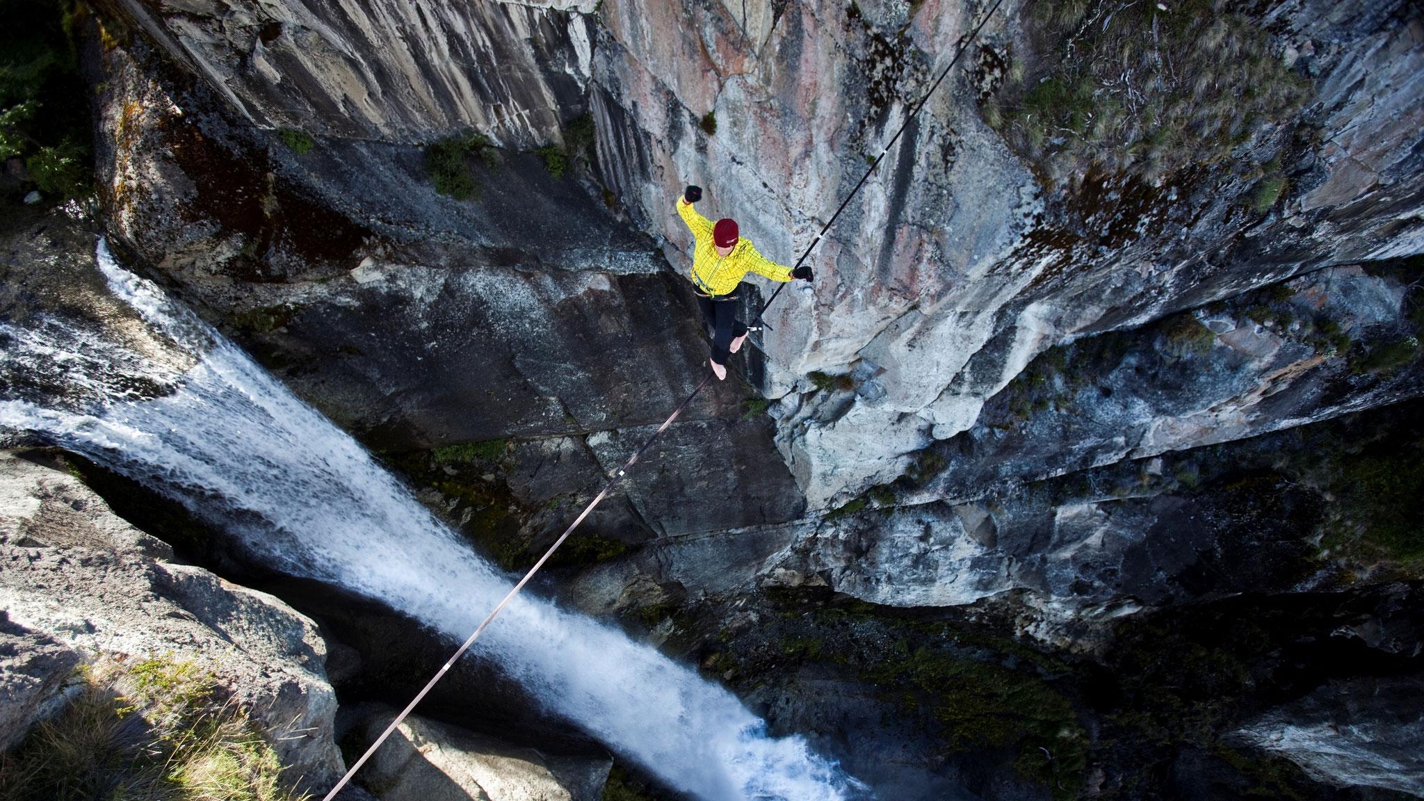 Highlinen bei El Chaltén, Patagonien © Hannes Mair