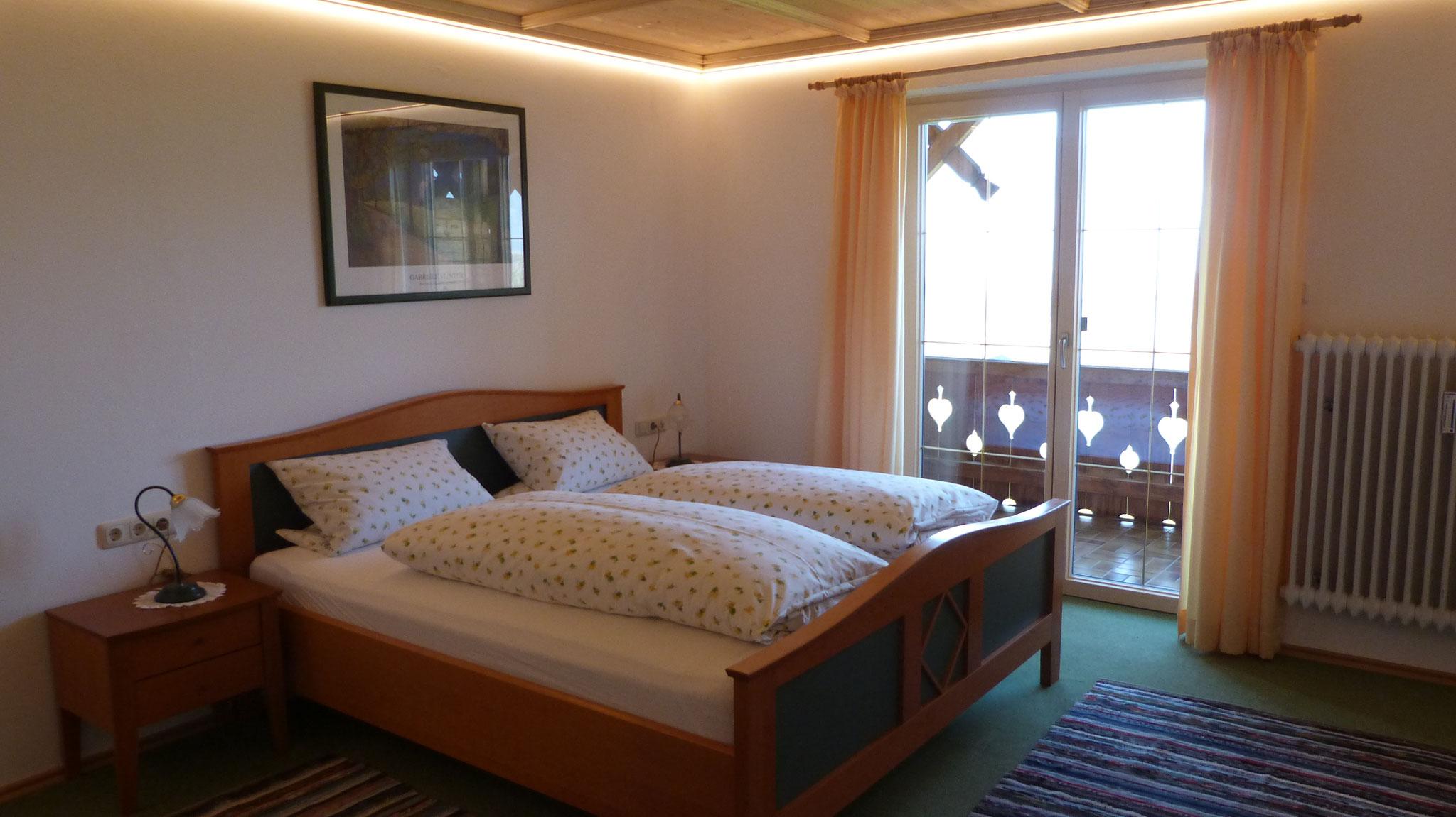 Riesiges Schlafzimmer mit Panoramablick