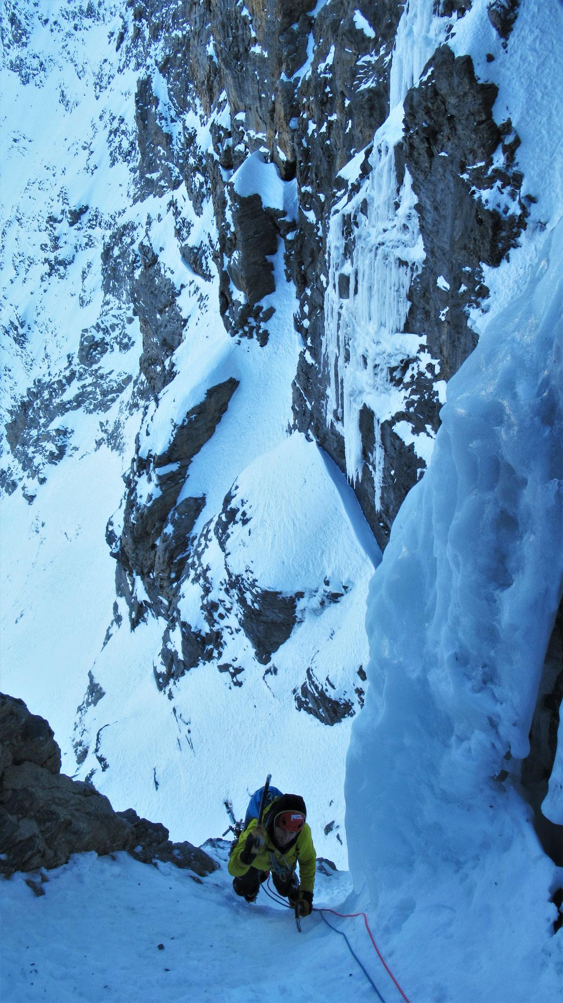 Jimmy dans L6  -  Cascade guide Maurienne