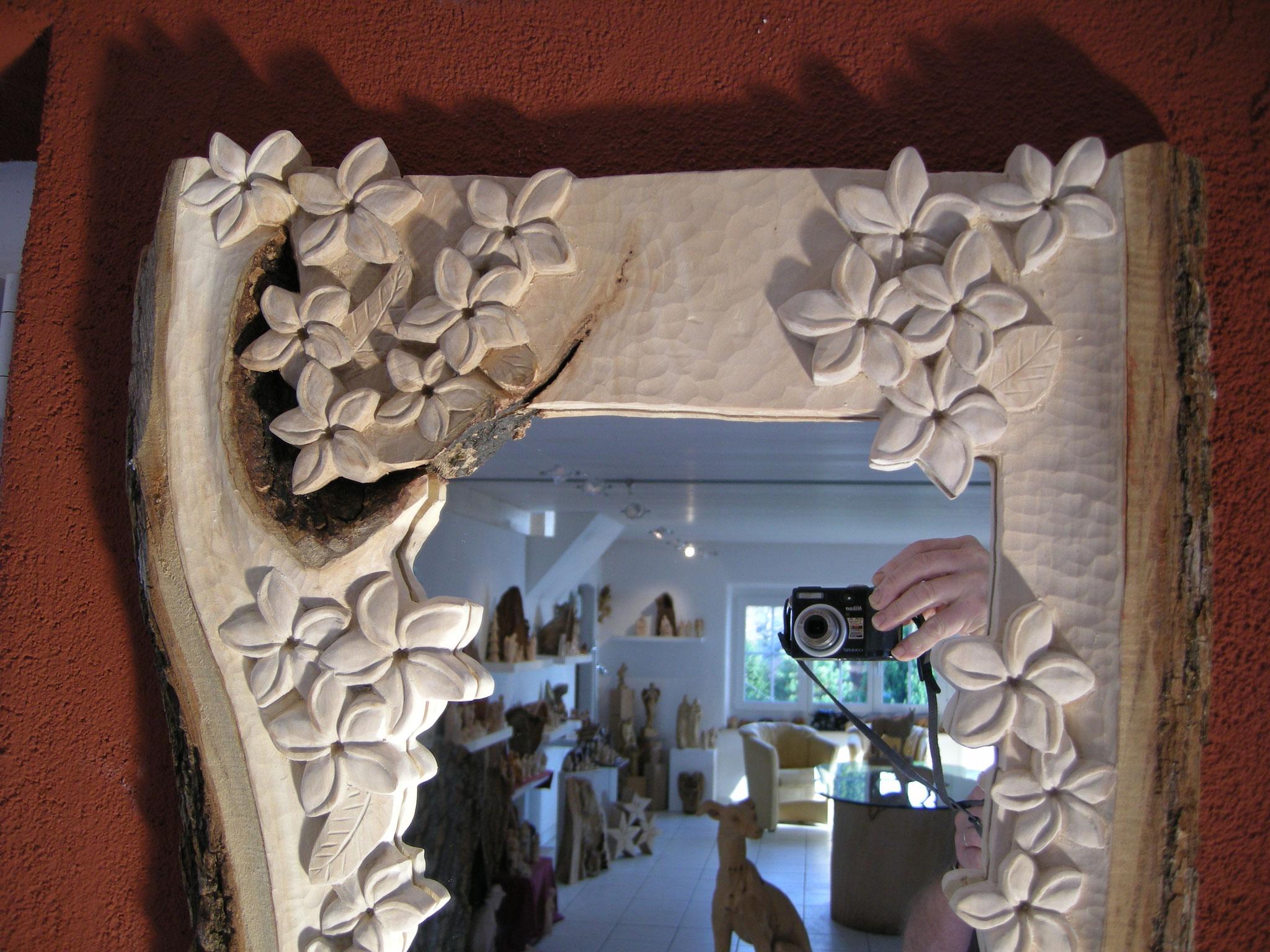 Spiegel Holzschnitzkunst