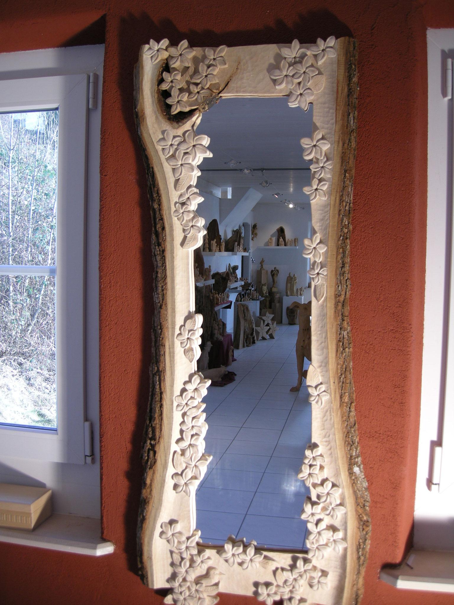Spiegel Holzschnitzerei