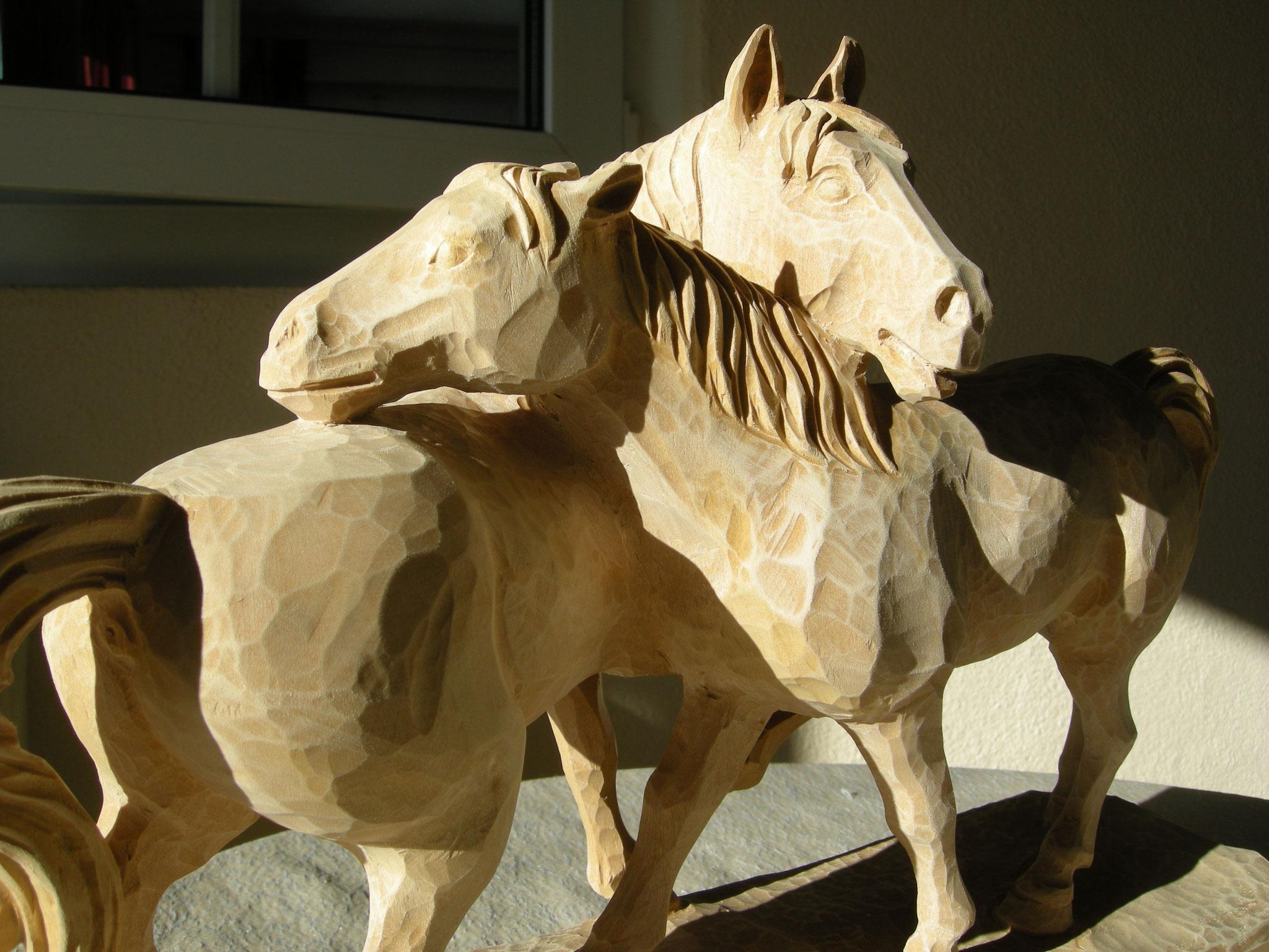 Pferdegruppe Holzskulptur