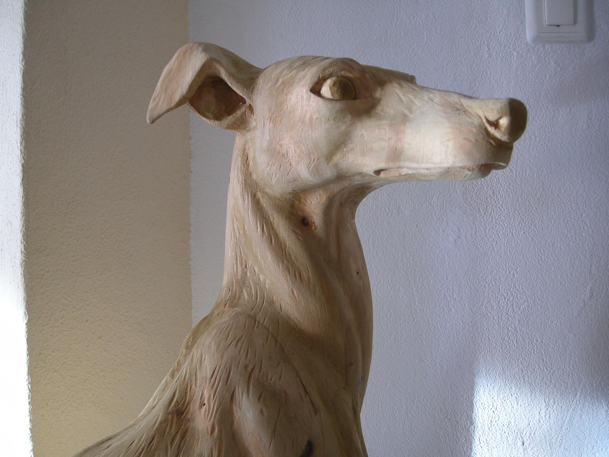 Windhund Holzskulptur