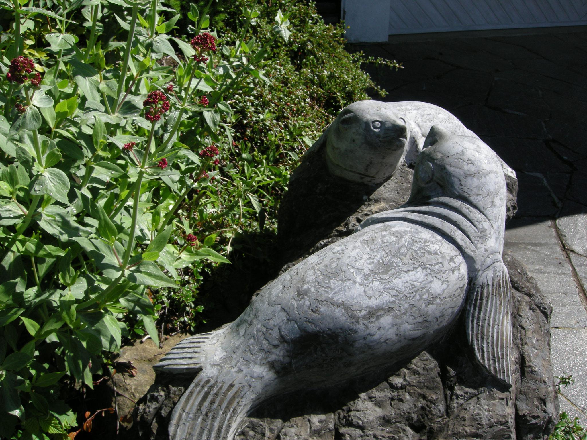 Seehund Skulptur Naturstein