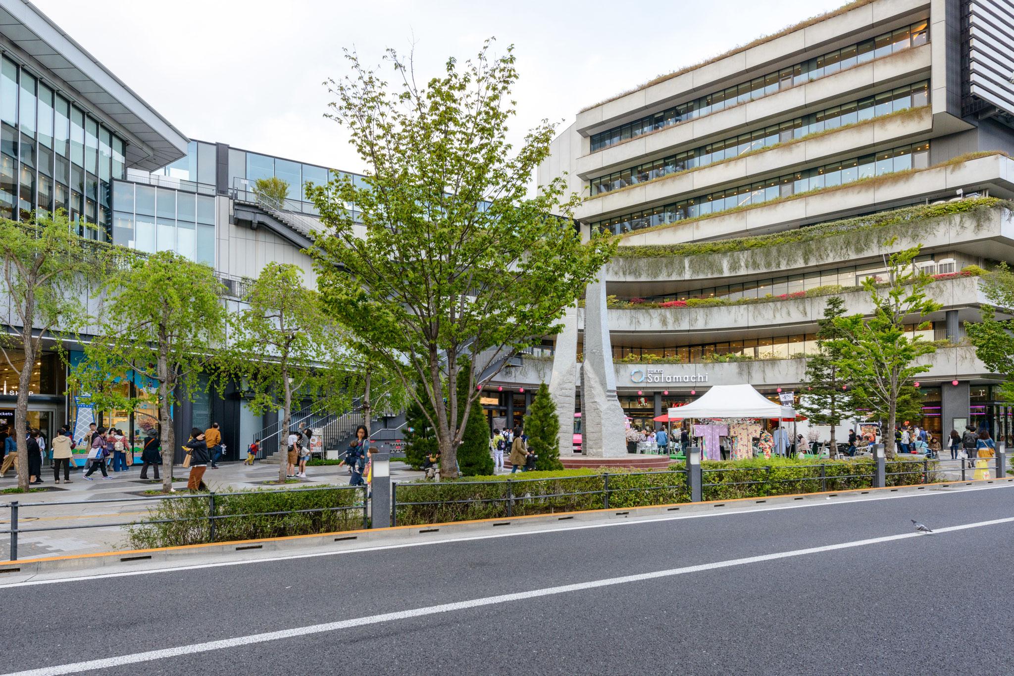 東京ソラマチの入り口(312の多彩な店舗)