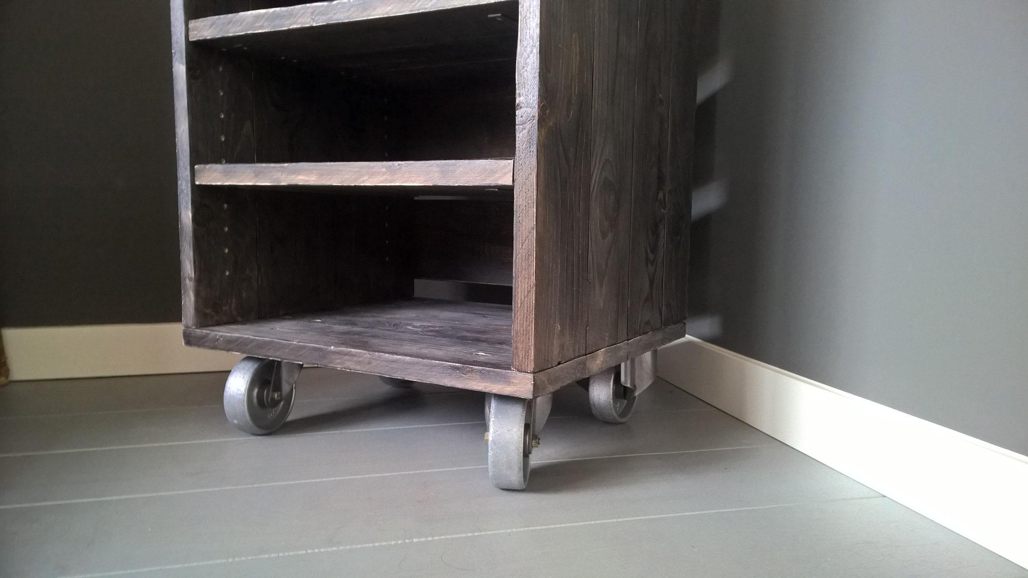 Tv audio meubel op wielen desalonfabriek maatwerk sloophouten meubels