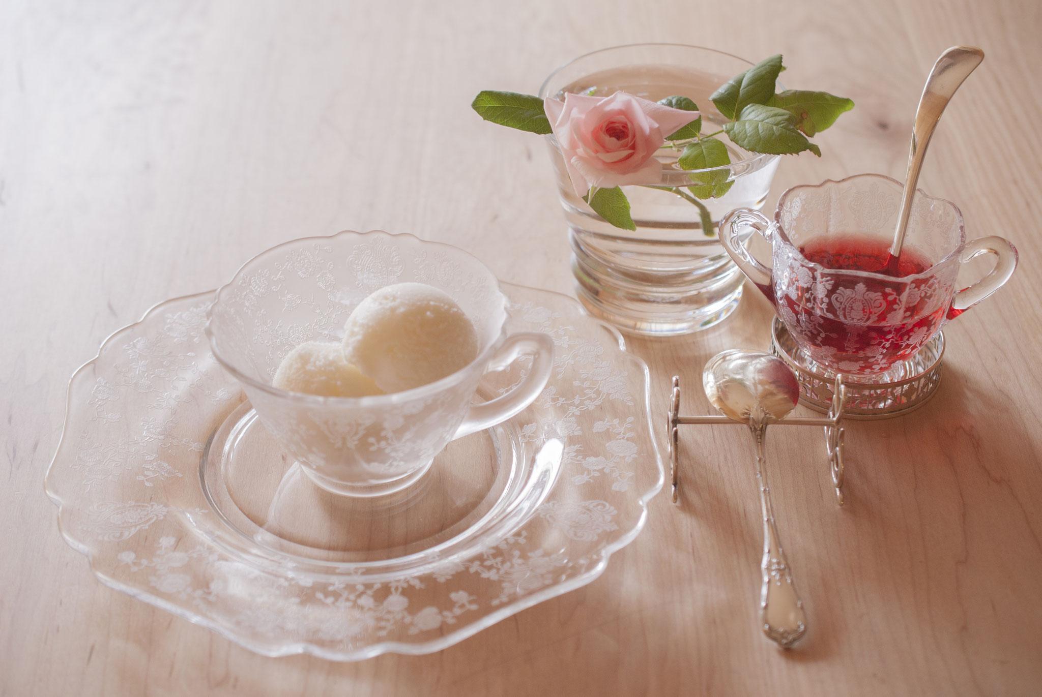 Frozen Yogurt, Affogato with Red Herb Tea, Fleur*Fleur*