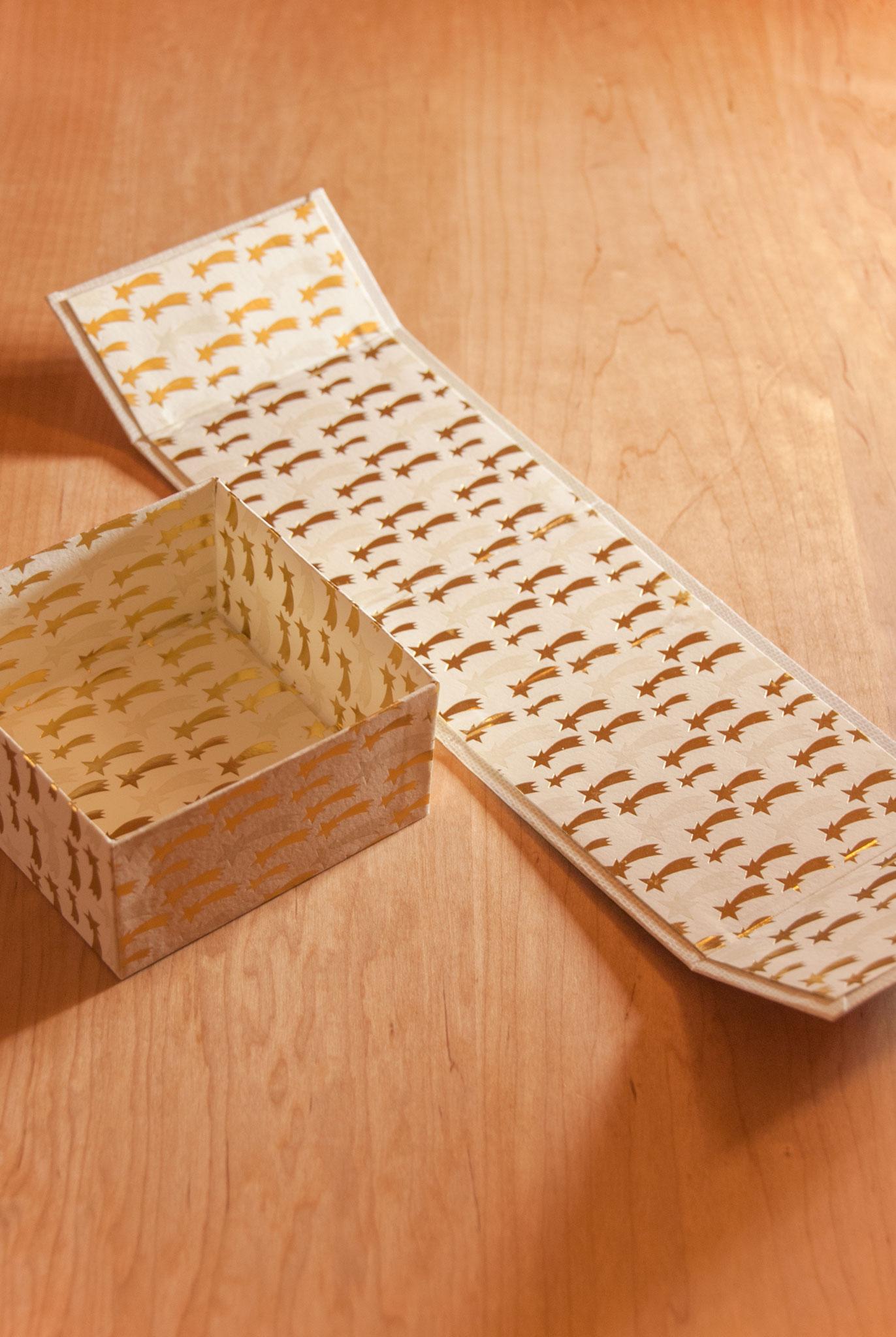 S(9.5-5) box with magnet, full lining, Fleur*Fleur*