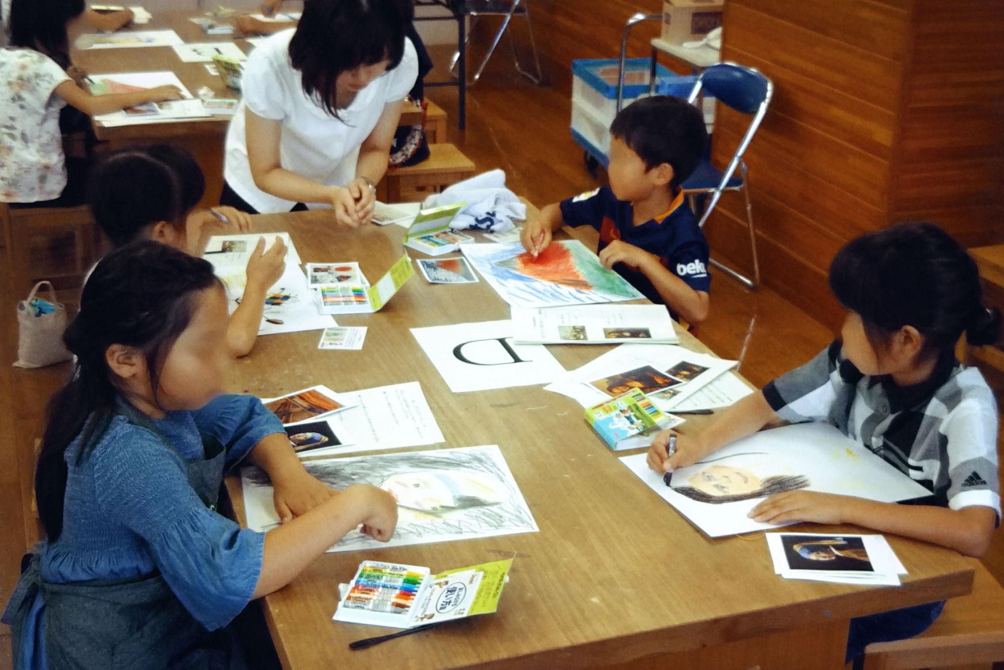 模写の体験ワークショップ。油絵のルールもちょこっと抑えつつ、クレヨンだけで好きな巨匠の絵画を描きます(子供/2時間)主催:千葉市文化振興財団