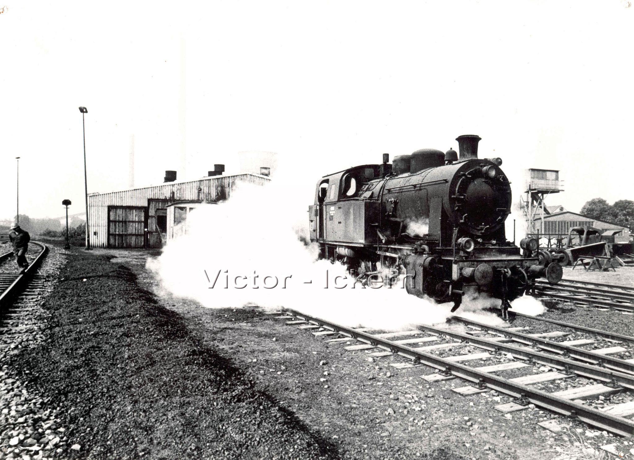 Dampflok am Lokschuppen Victor III/IV