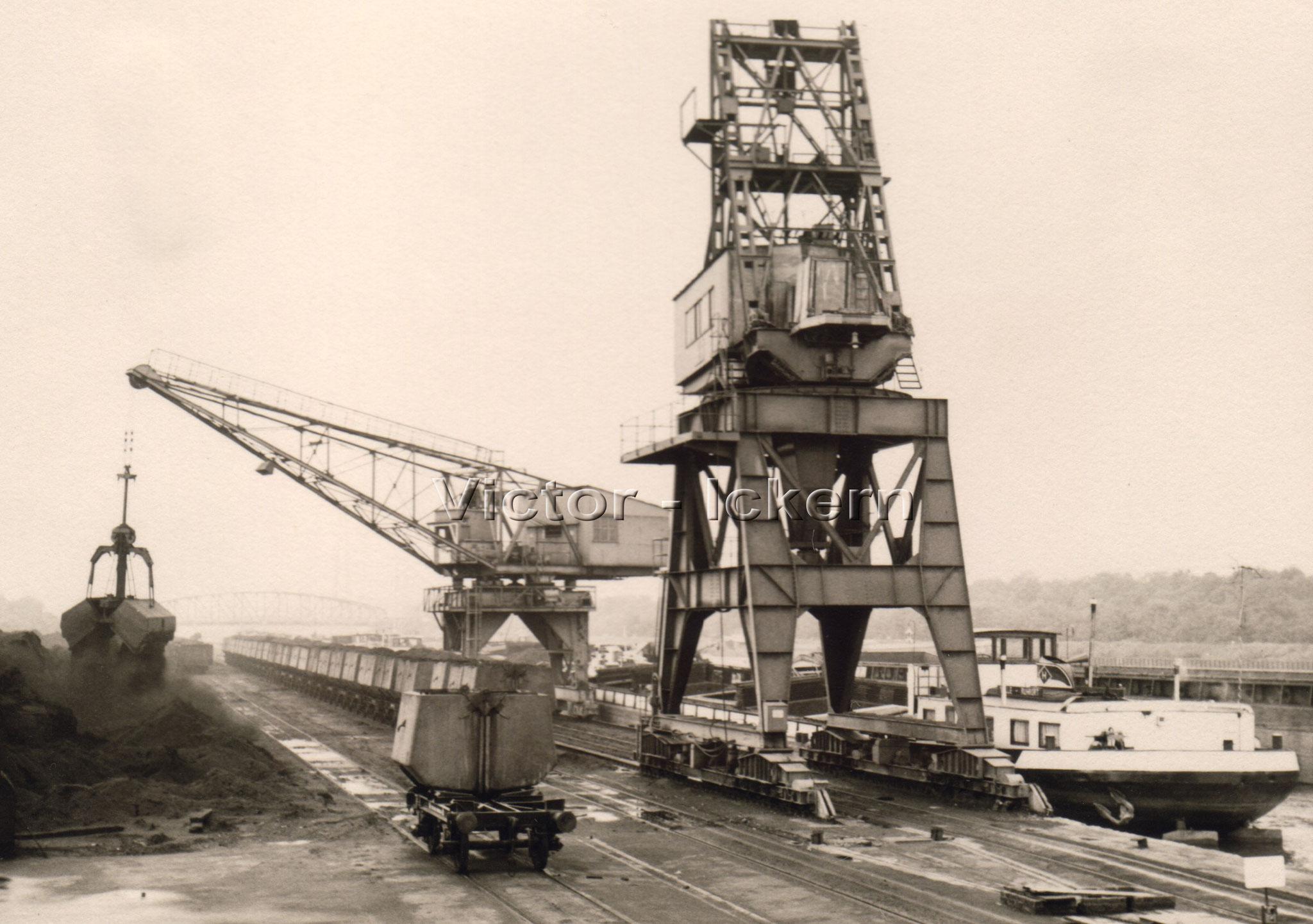 Verladekrahn Victorhafen