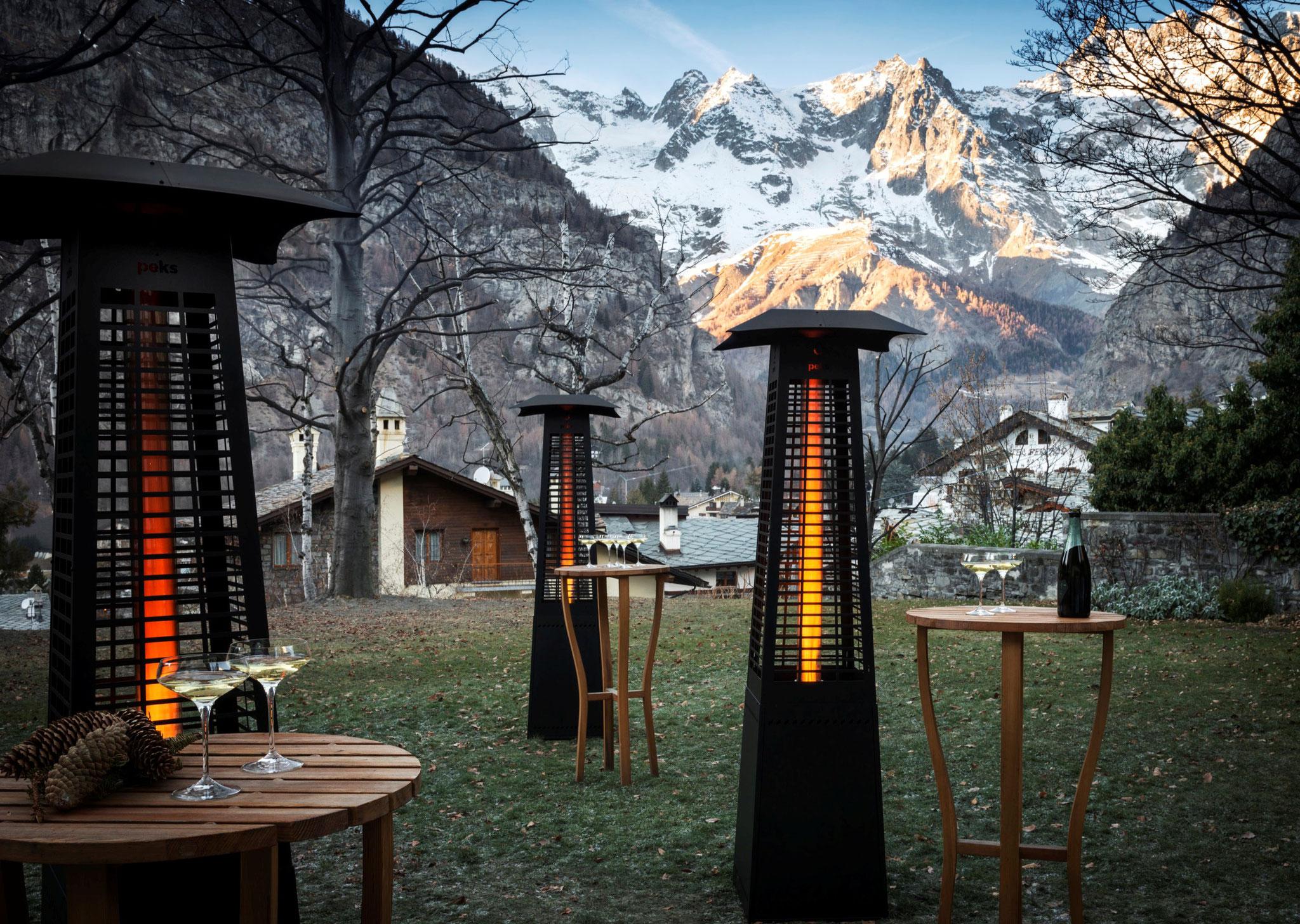 pellets pyramide outdoor heizstrahler heizpilz mit. Black Bedroom Furniture Sets. Home Design Ideas