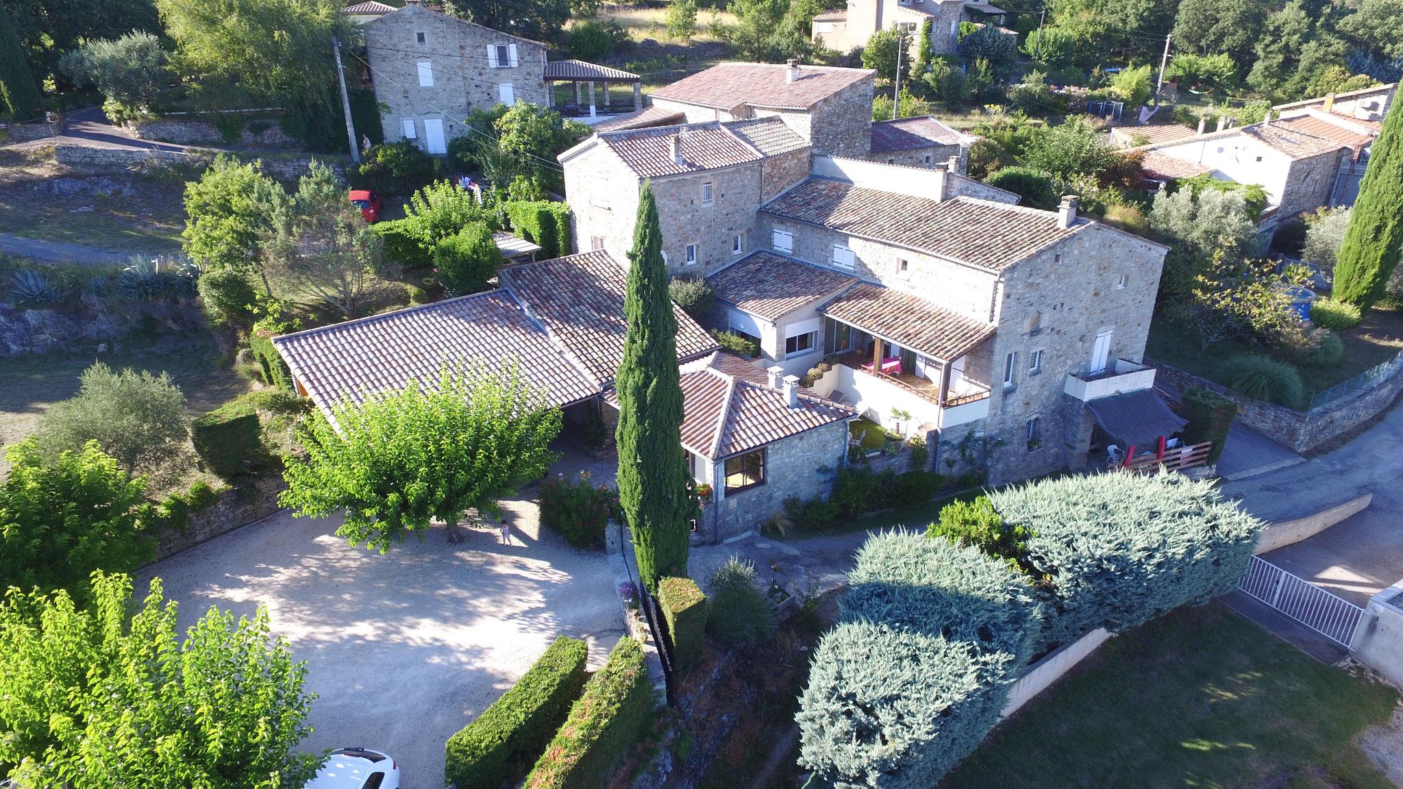 Vue aérienne Gîtes du Domaine de Lamourié - Aubenas - Ardèche