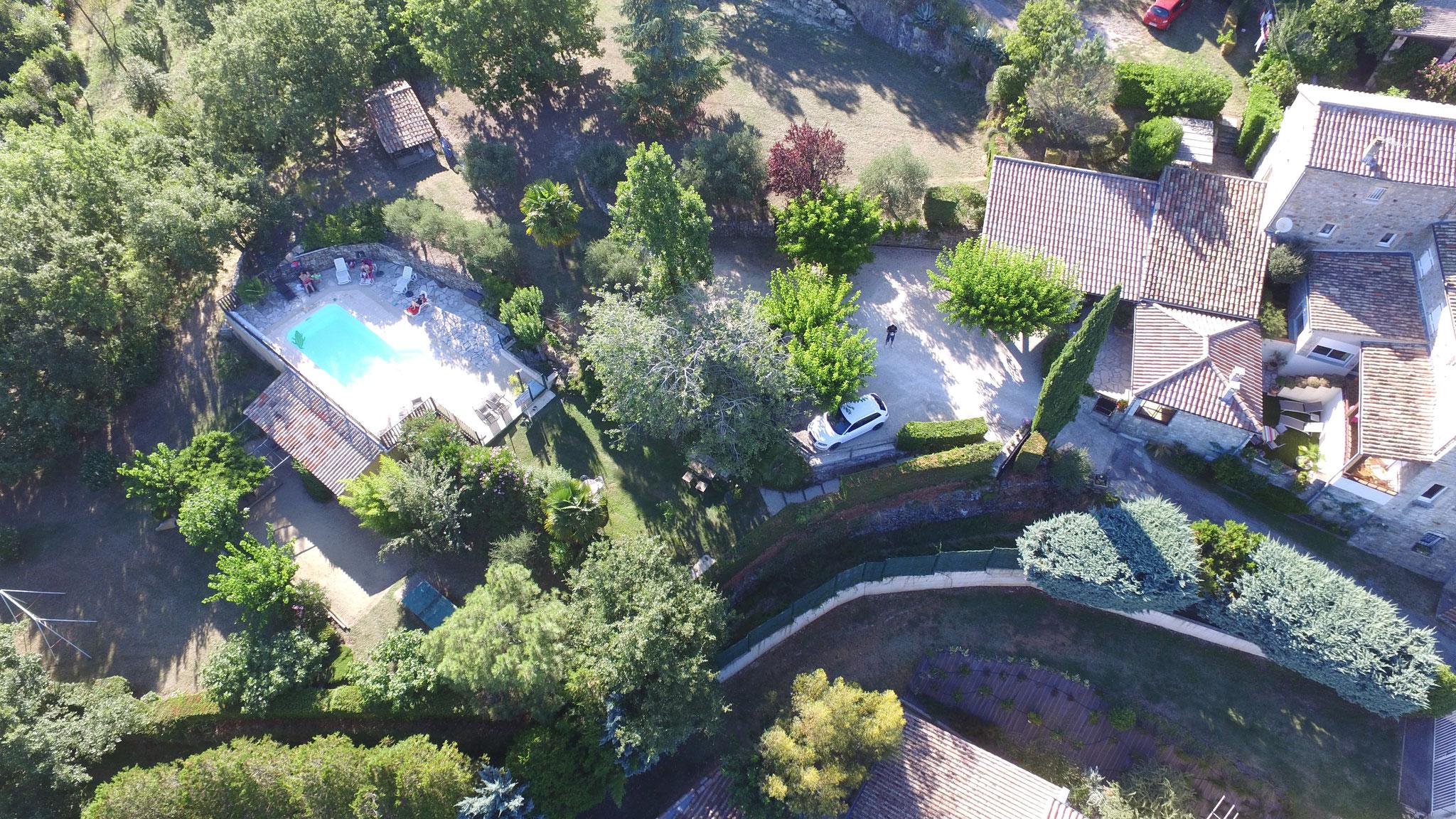 Vue du domaine avec piscine - Lamourié - Aubenas - Ardèche