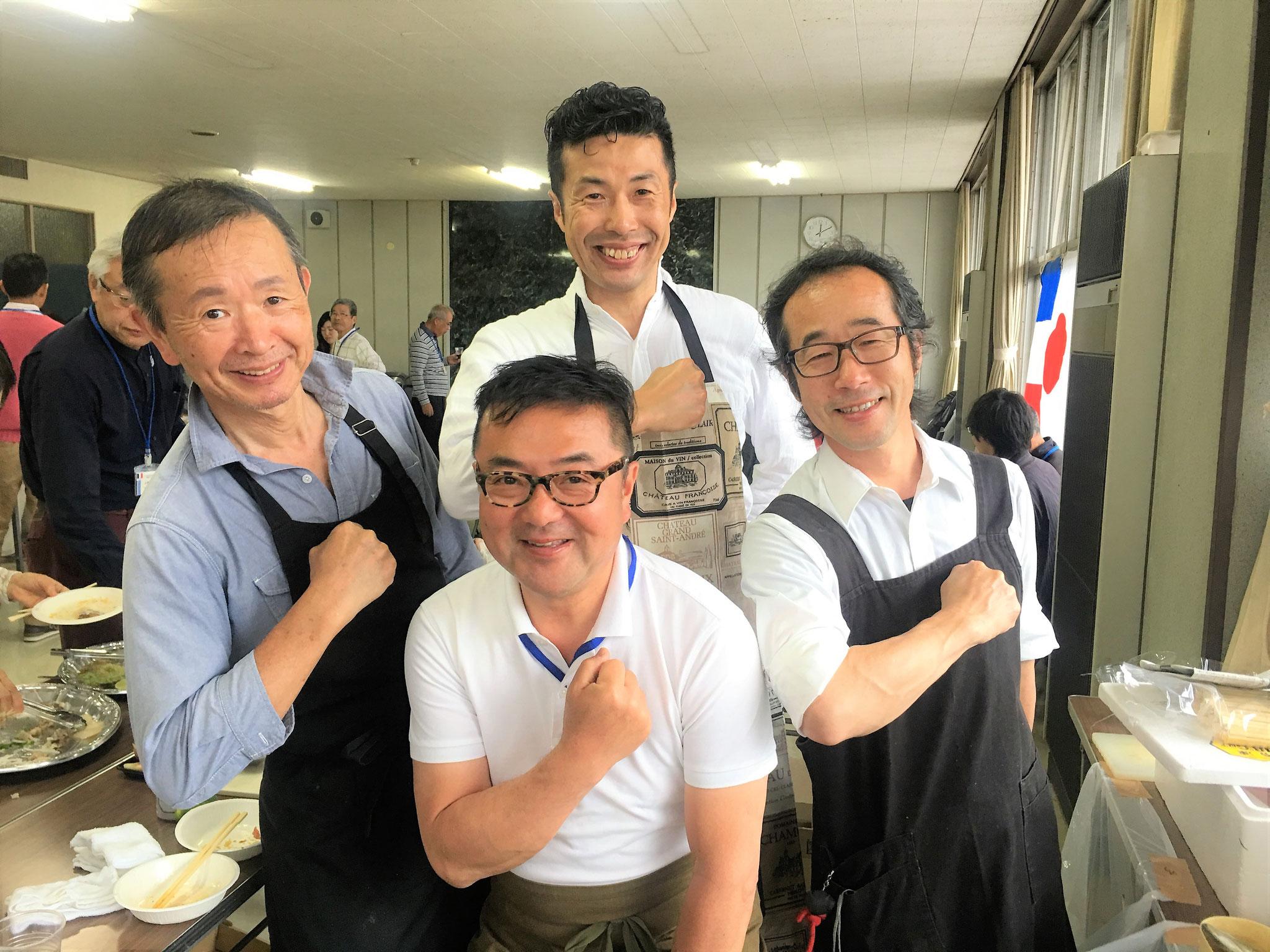 最高に美味しいフランス料理を作っていただきましたシェフ4人衆