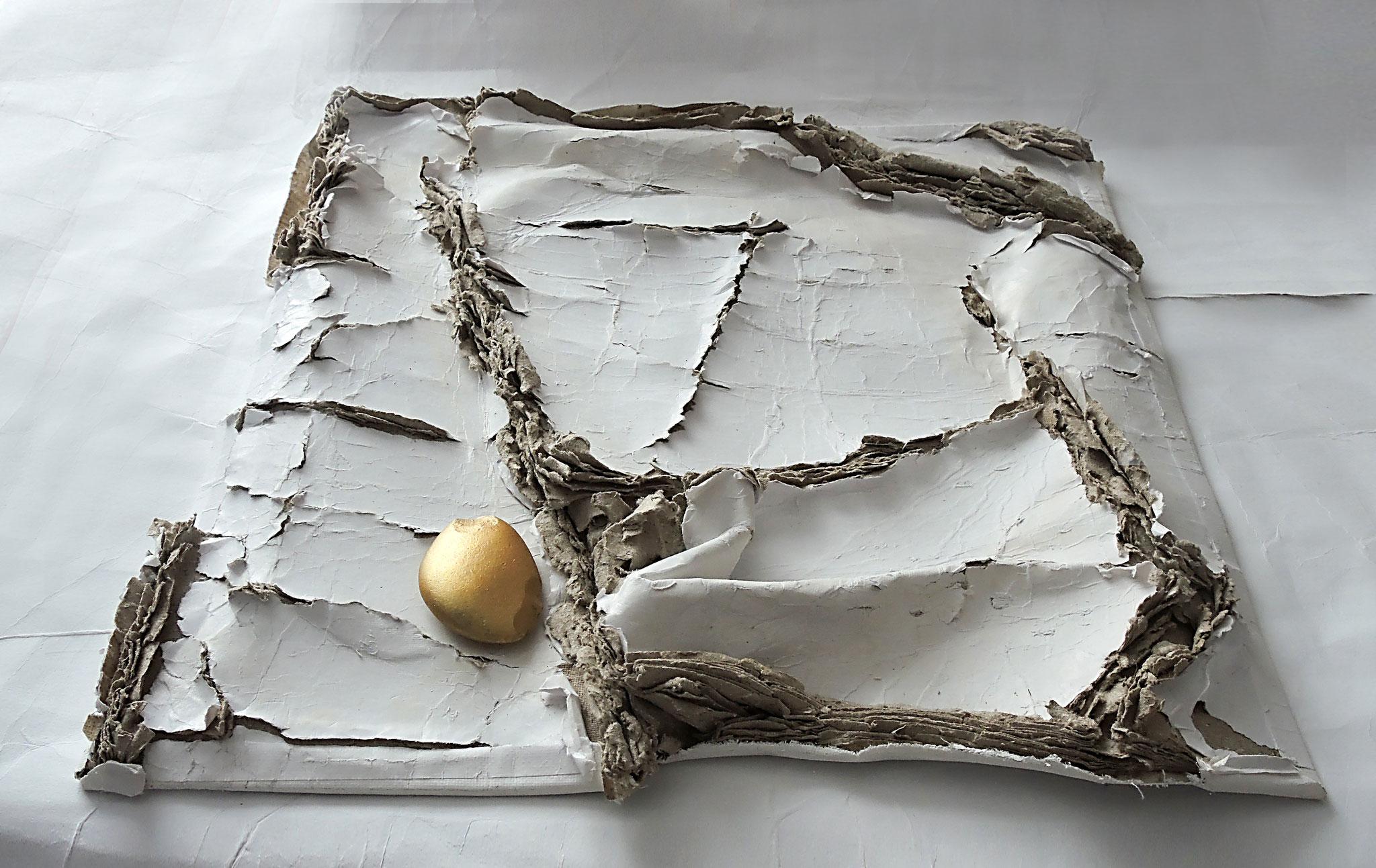Cracks and Light   (37x40x5 cm)