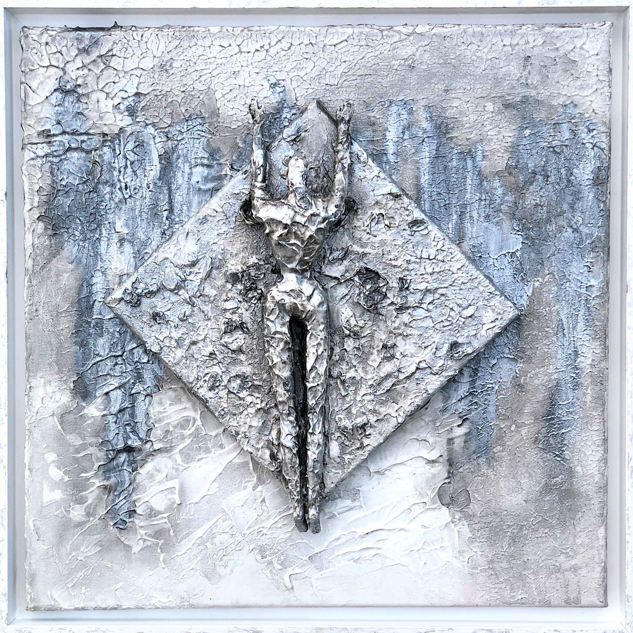 Silver Girl. Homage to James Bond (43x43x8 cm)