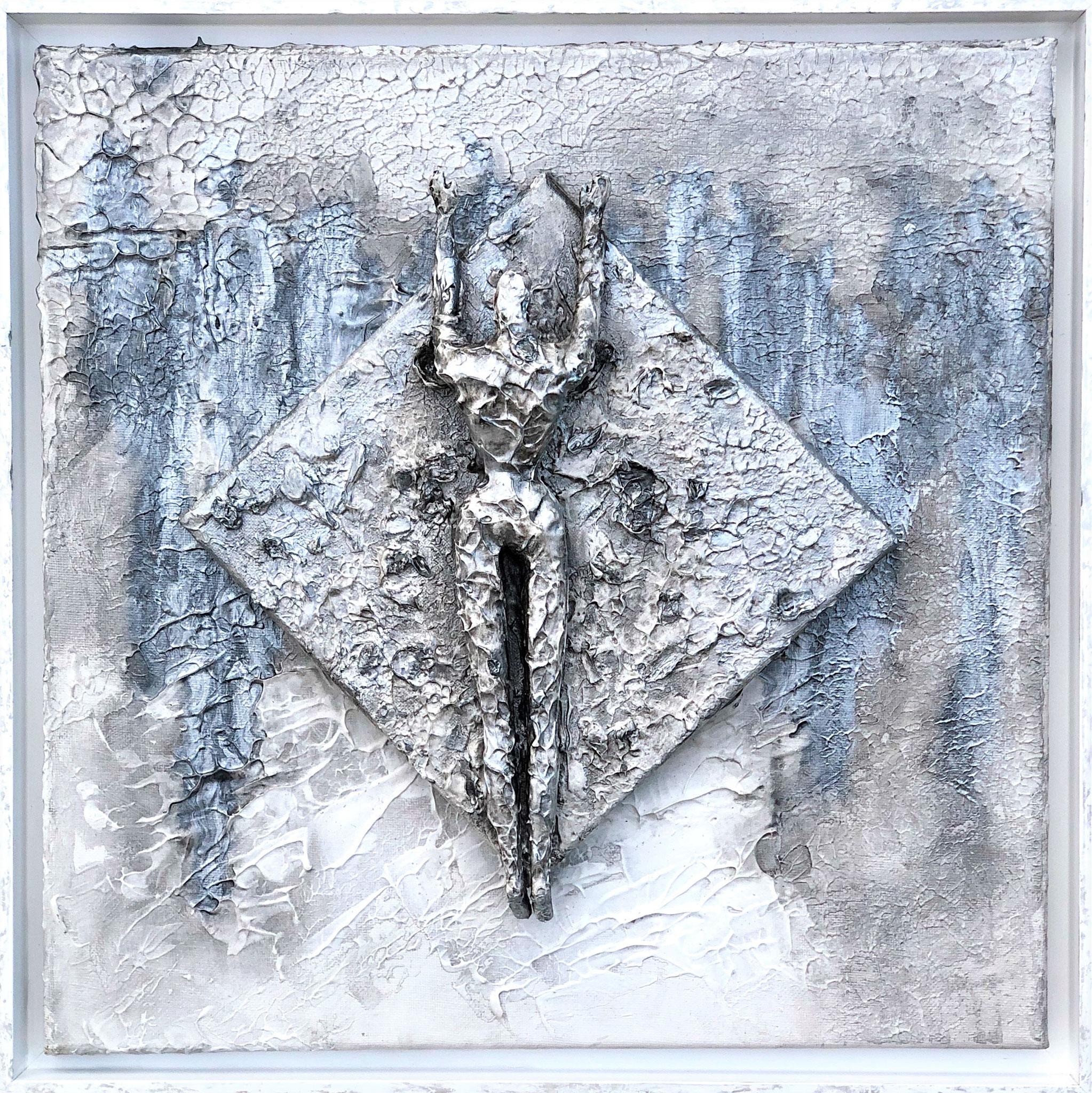 Silver Girl. Homage to James Bond (43x43x8 cm)