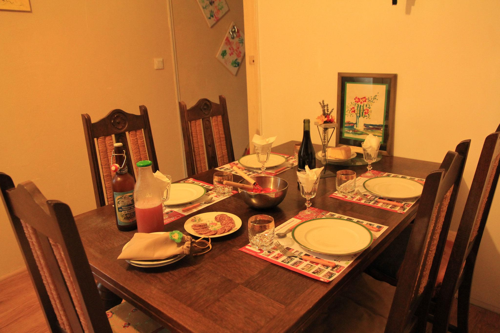 menu : bourguignon, gratin savoyard, clafoutis poires chartrousin, jus poire-framboises