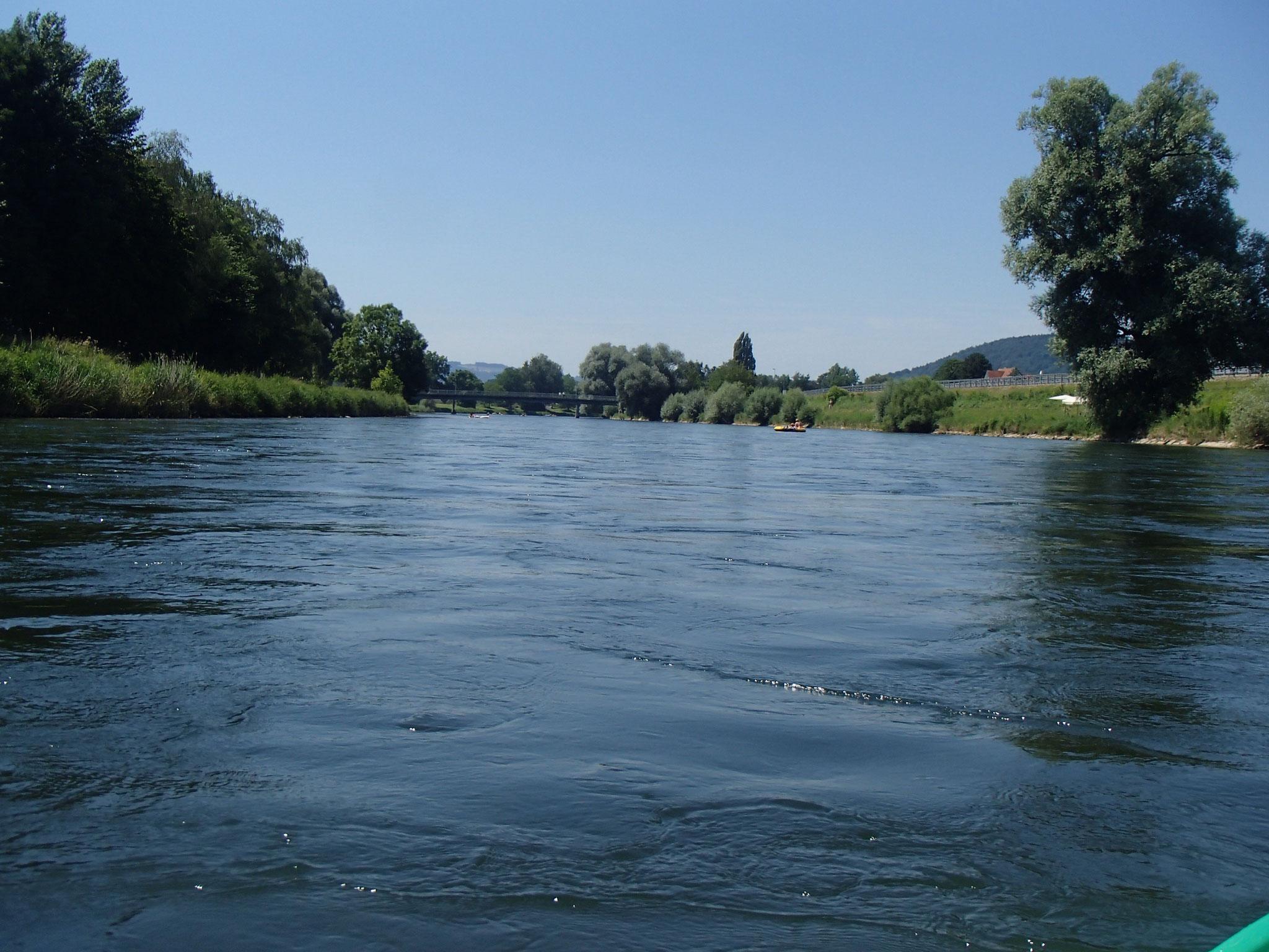 Ausbooten dann in Dietikon beim Bahnhof, hier Flussabschnitt bei Schlieren