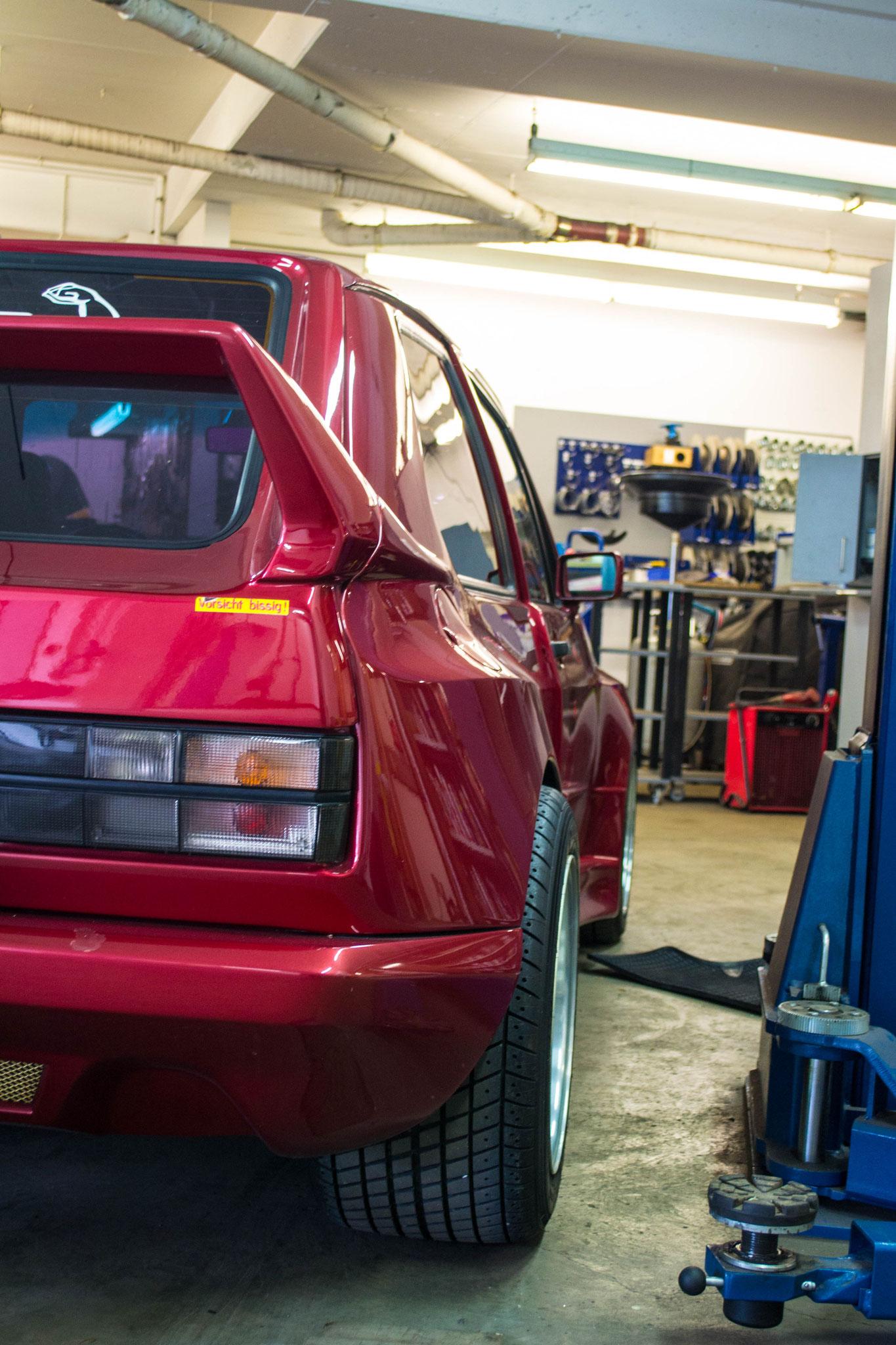 VW Golf I GTI 2,0 16V (3)