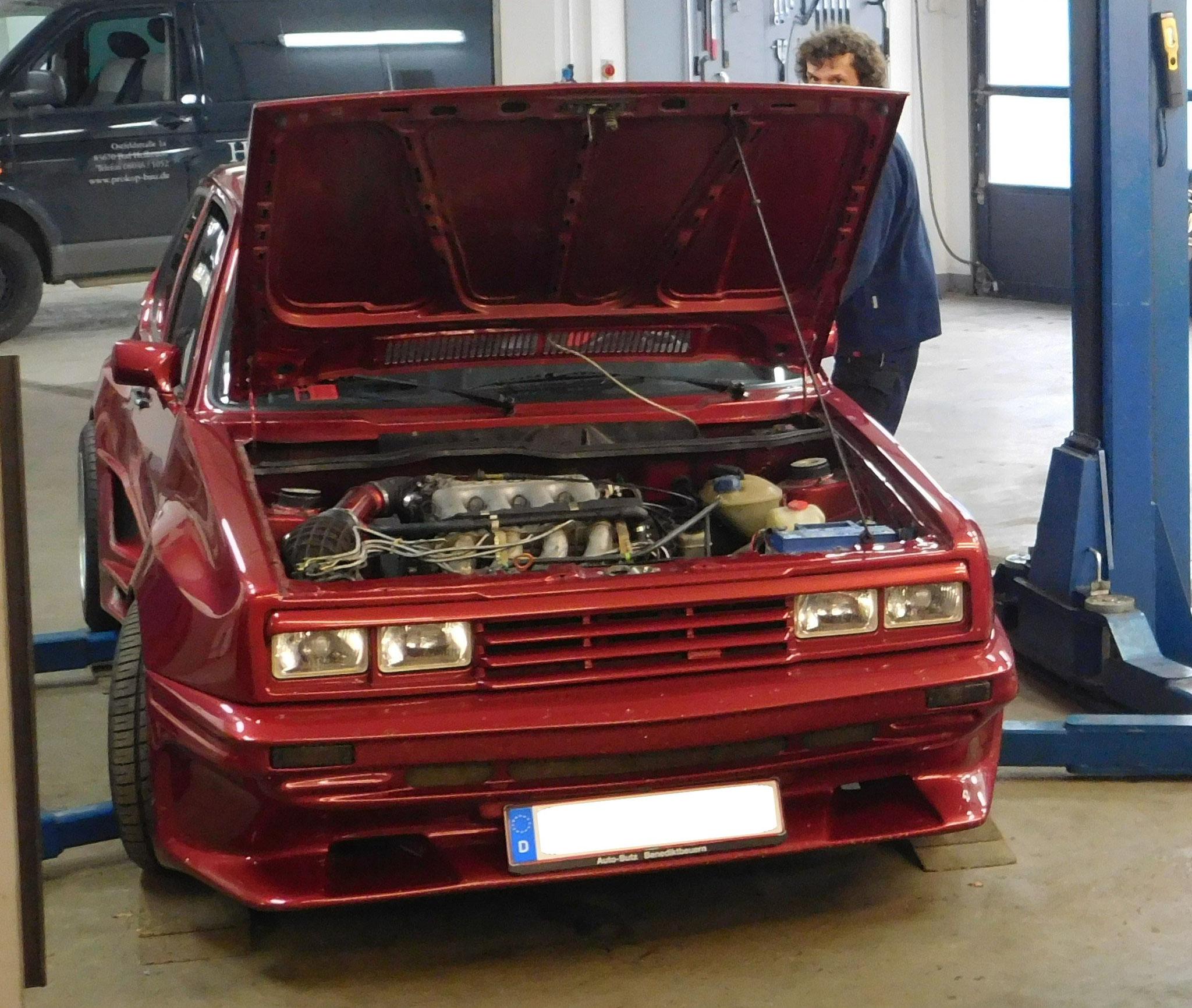 VW Golf I GTI 2,0 16V (2)