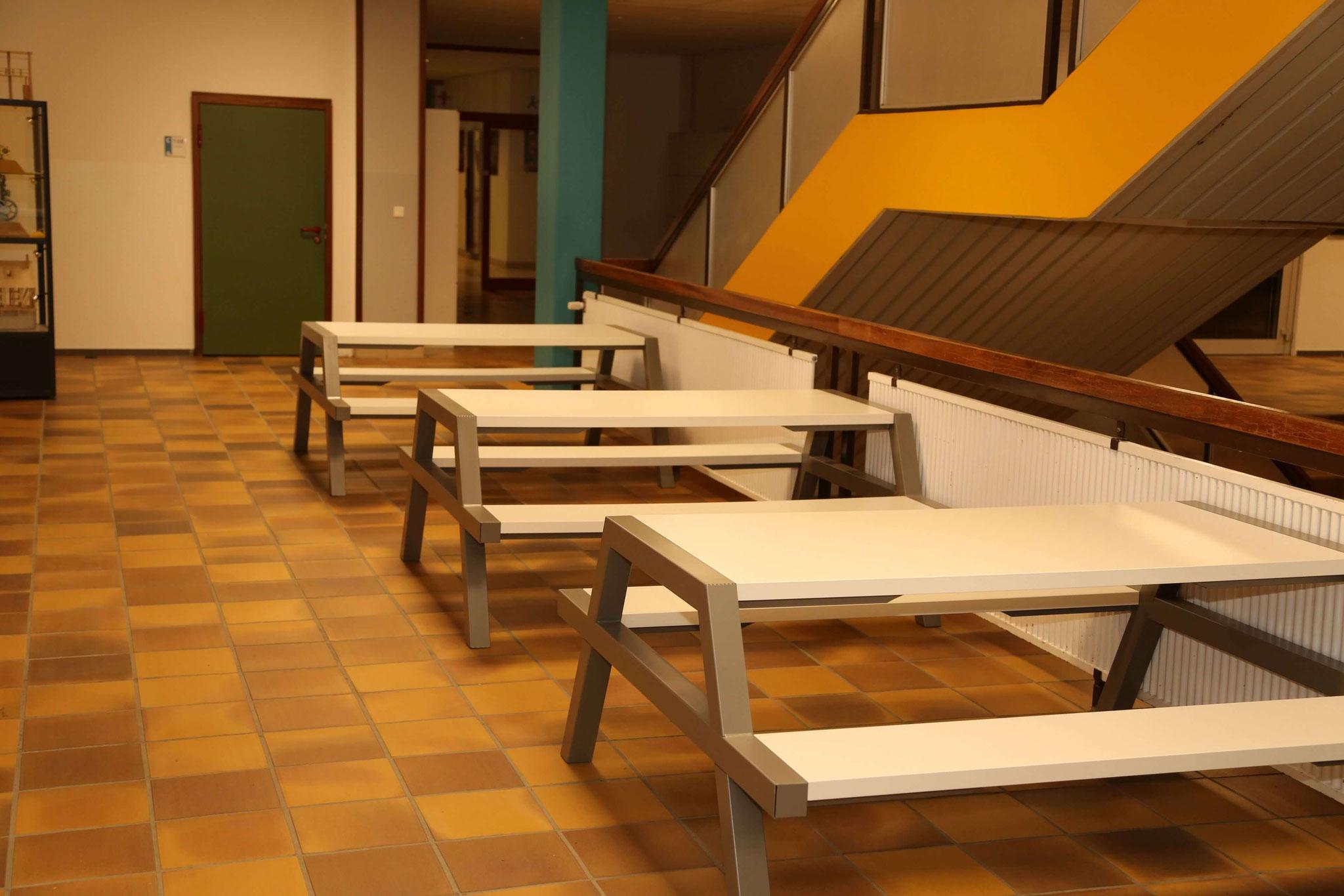 Im Schulgebäude...