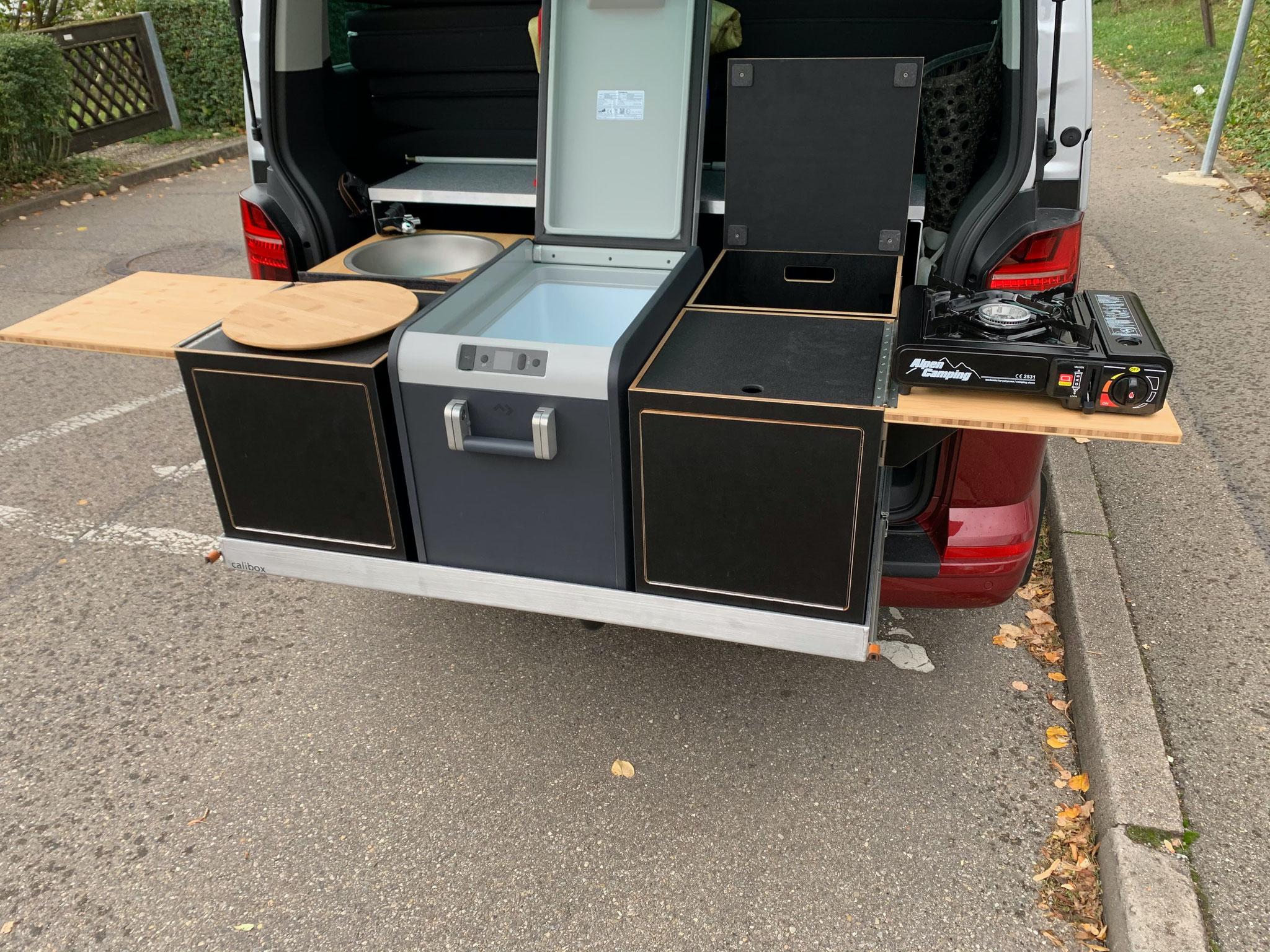 Hirschbulli Hirschbühl Caravan Rental Küche