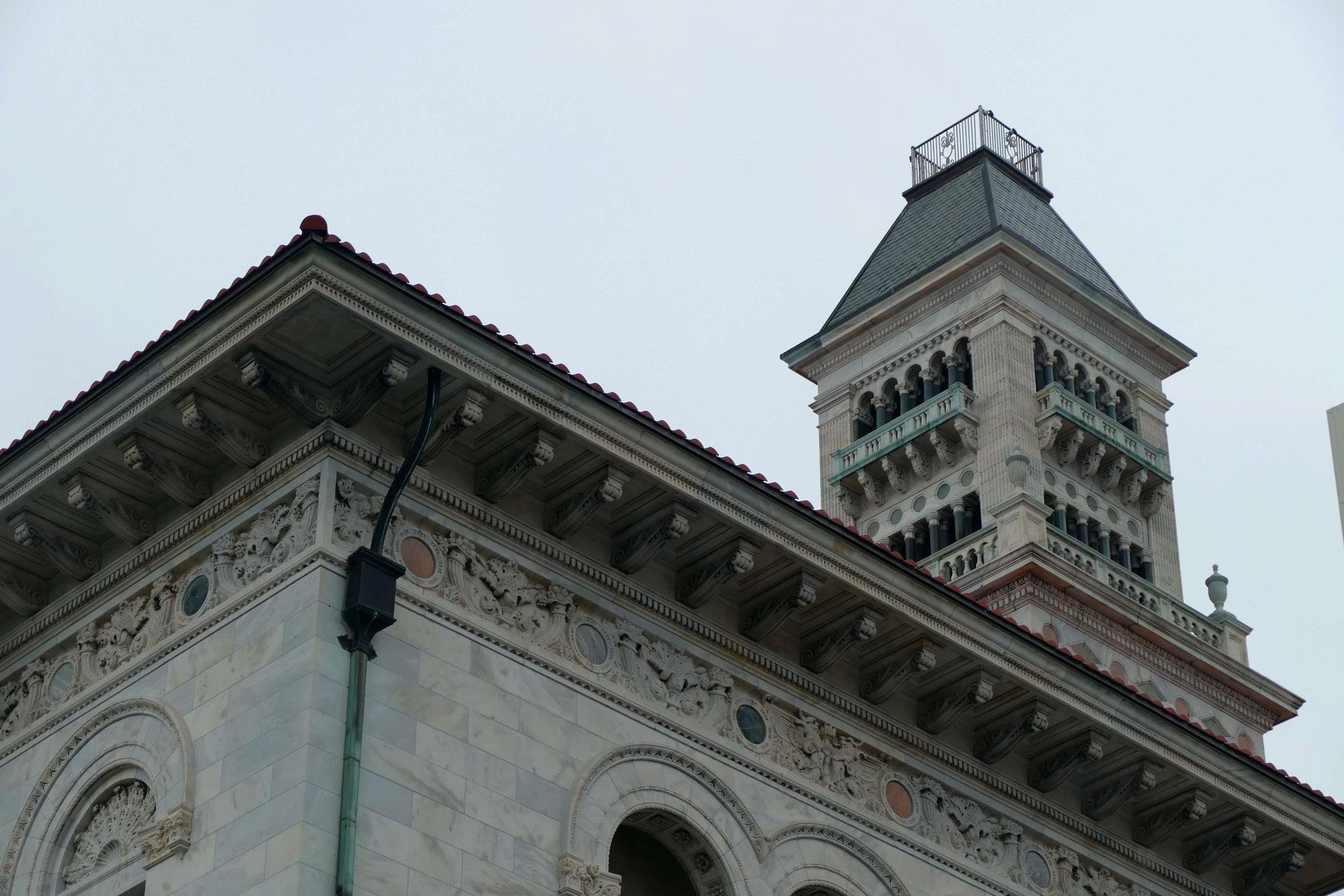 Gerichtsgebäude, in dem der Begründer der Methodisten, John Wesley, gepredigt hat