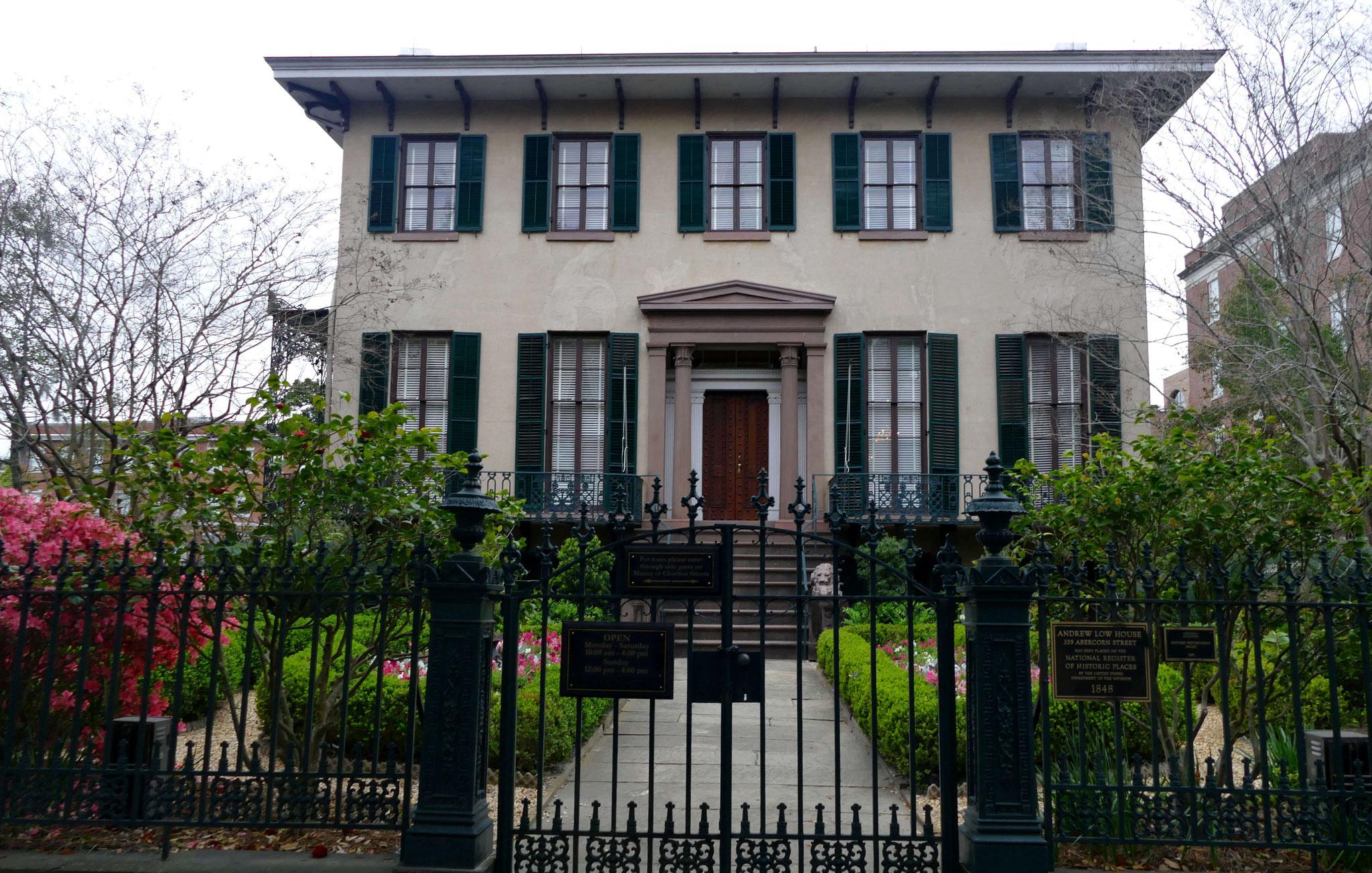 Owens-Thomas-Haus (1819) mit Baustilelementen aus der Antike (griech. Erneuerung / Greek Revival)