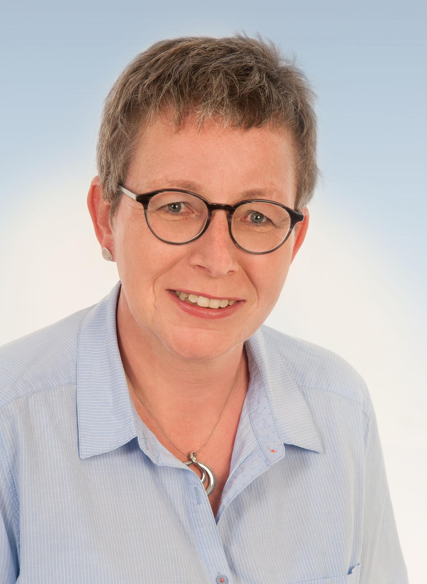 Wohnbezirk III - Dainbach, Edelfingen,  Löffelstelzen: Silke Karl-Ulshöfer, 49 Jahre, Krankenschwester, Ortschaftsrätin Edelfingen seit 2009, Mitglied Amnesty-Gruppe Bad MGH, verheiratet ,2 Kinder
