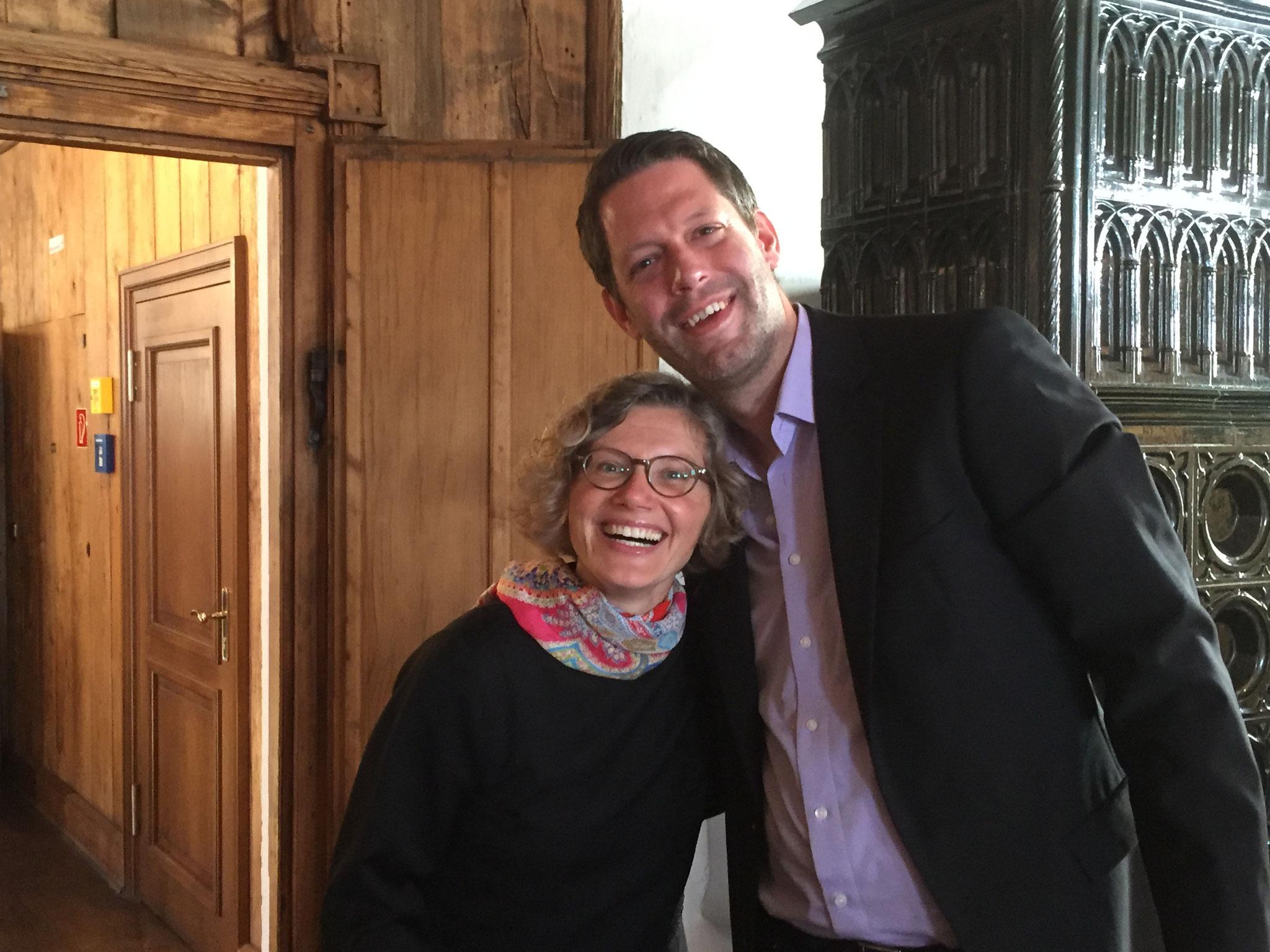 Kristina Kuzminskaite (Dirigentin) zusammen mit Jan-Eike Hornauer