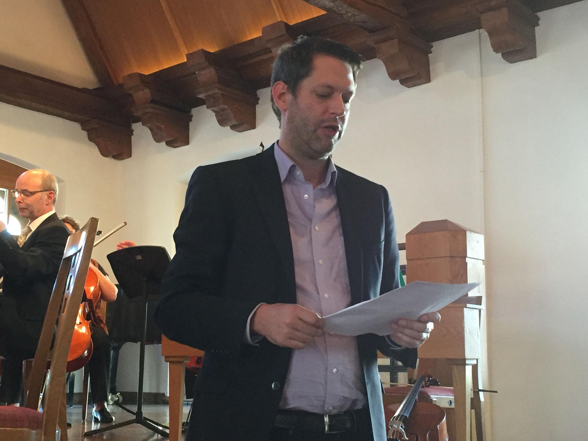 Jan-Eike Hornauer bei seinem Gedichtvortrag