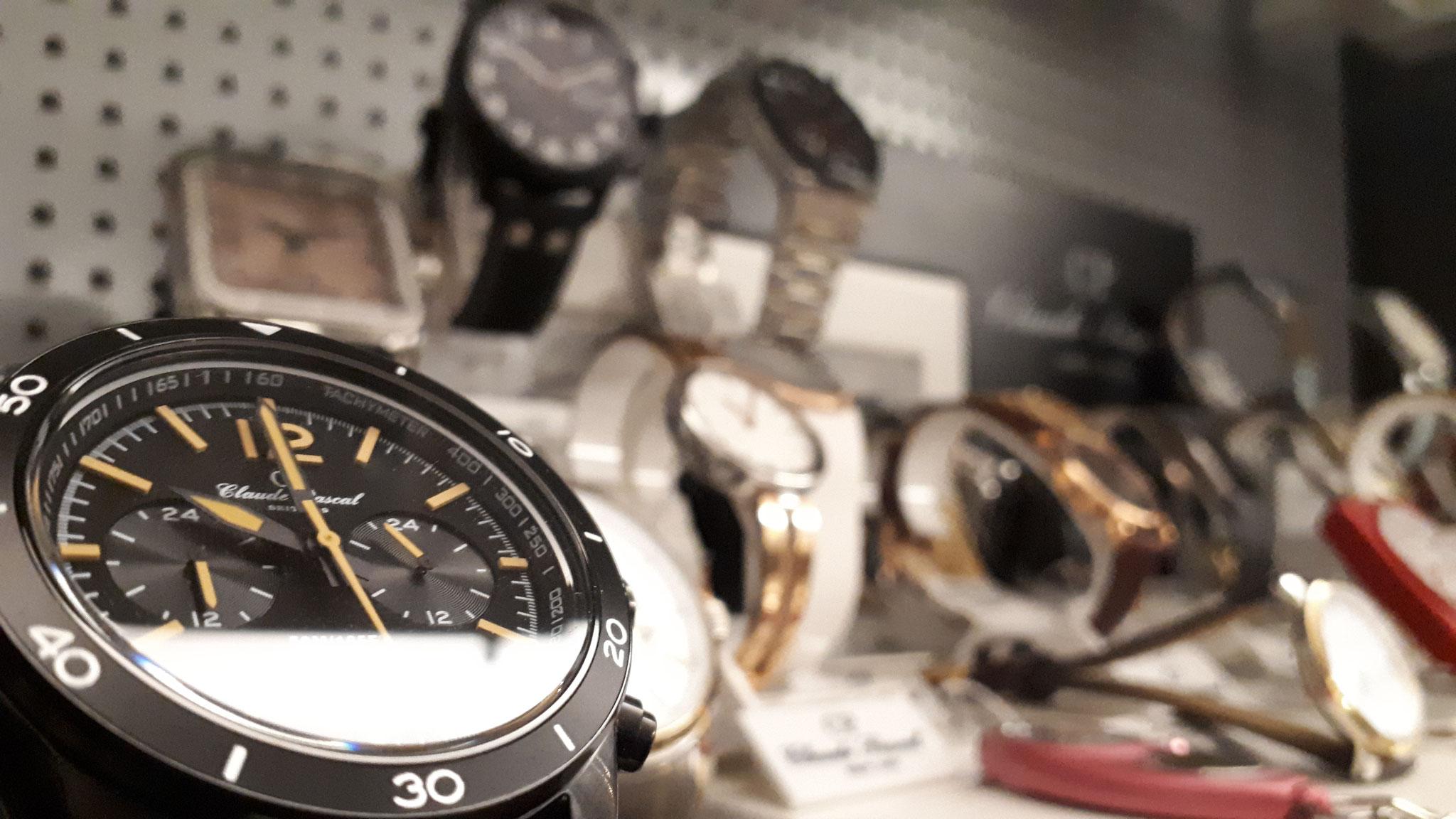 Großes Sortiment an Armbanduhren