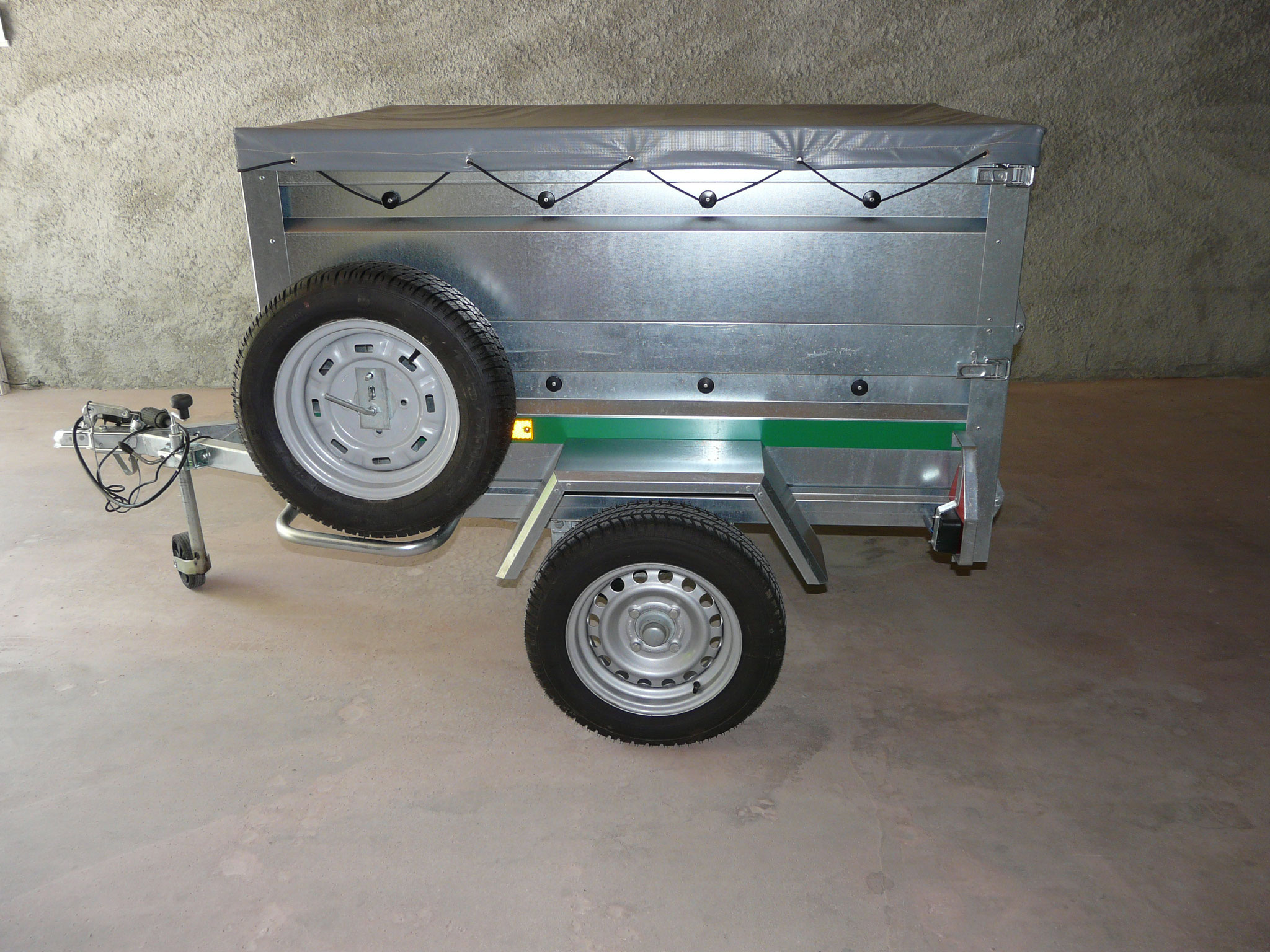 Remorque bagagère attelable sur nos 2 monospaces (Ford S-Max et BMW Gran Tourer)