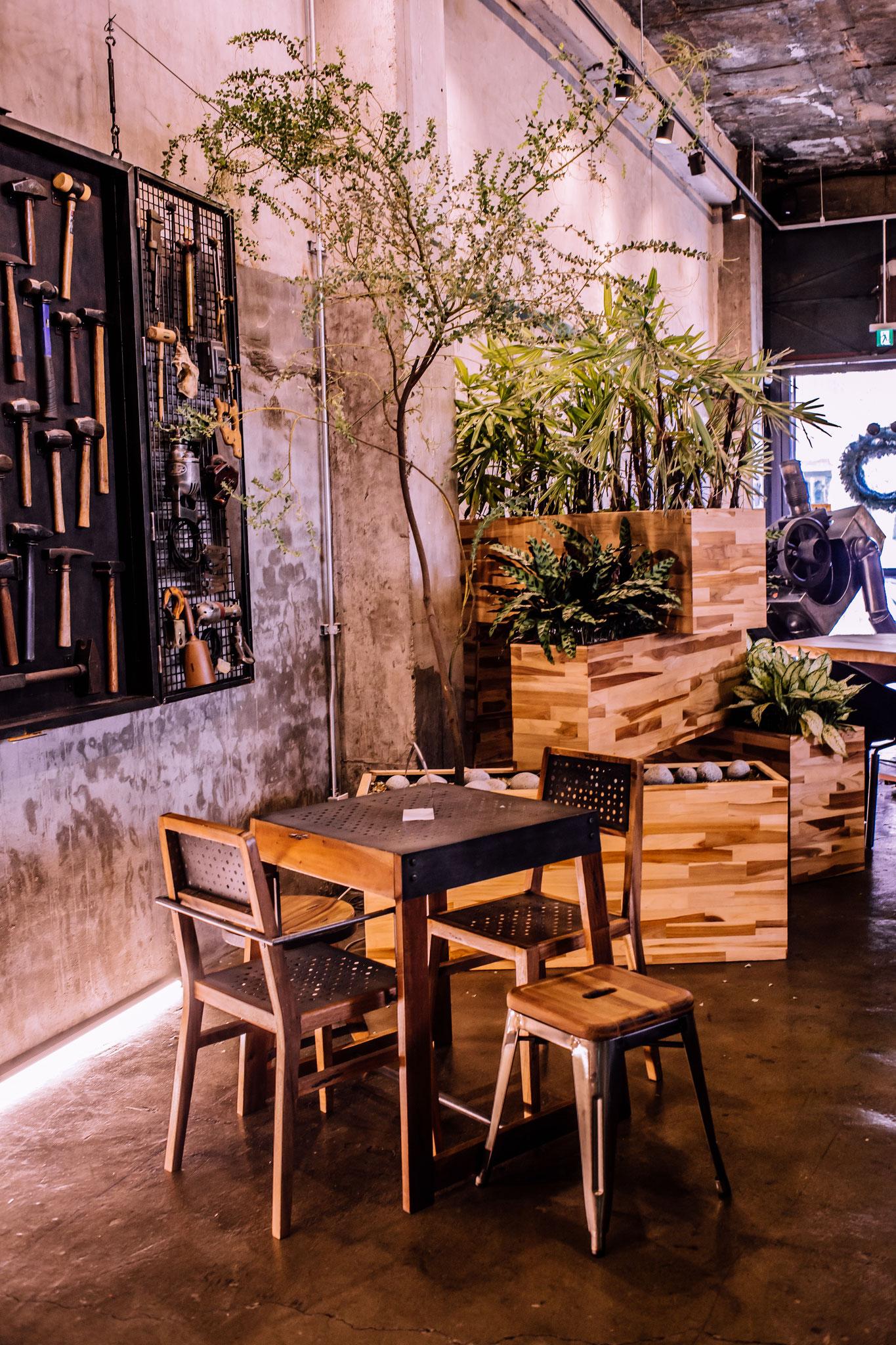 BAESAN cafe details