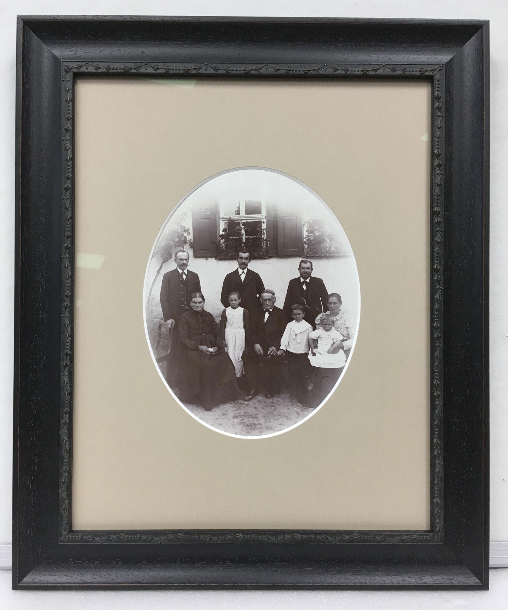 Altes Familienfoto aufgefrischt
