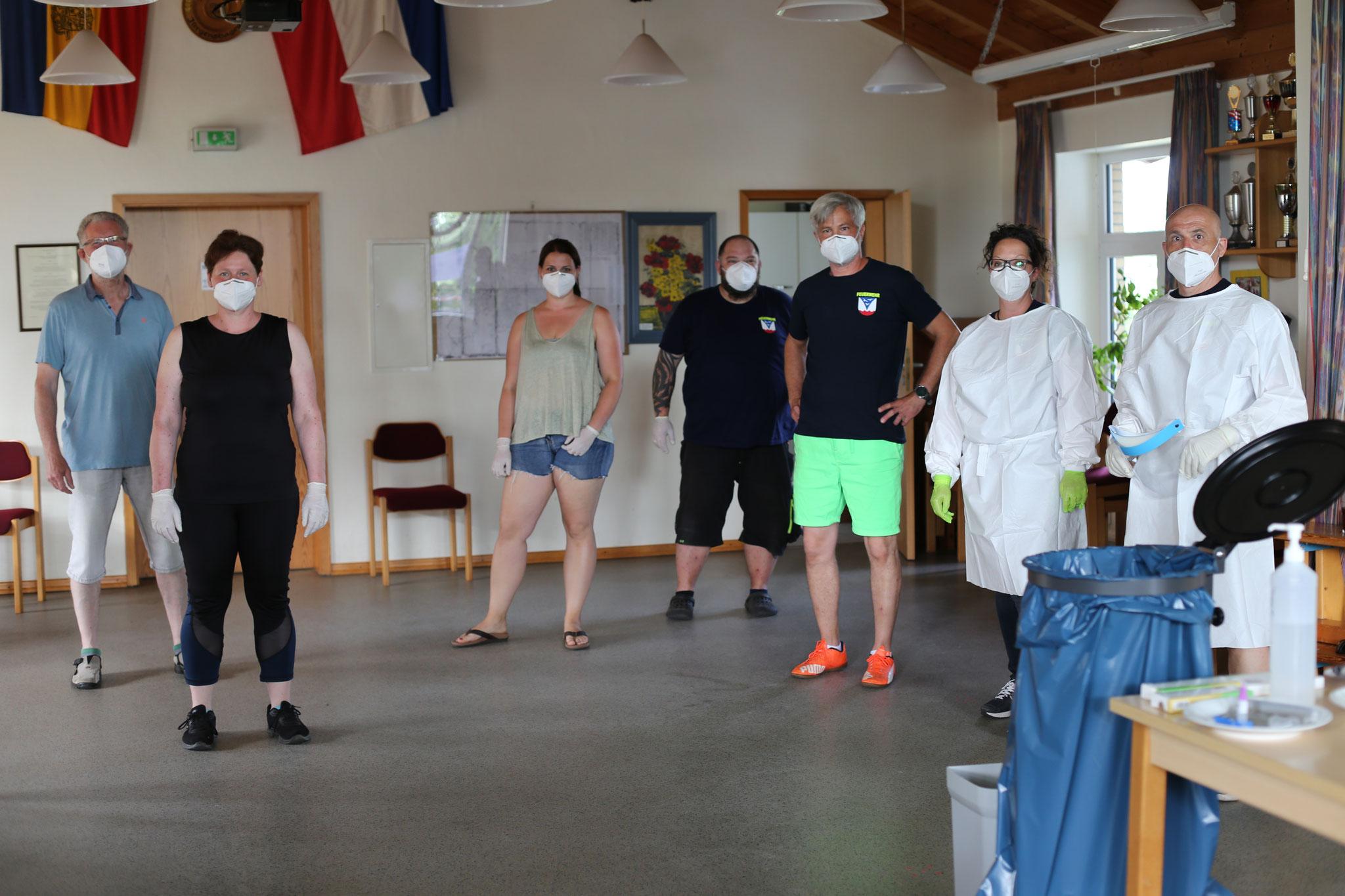 Ein starkes Team, das gerne zusammenarbeitet. Regelmäßig dabei sind auch René, Thorben und Jessica.